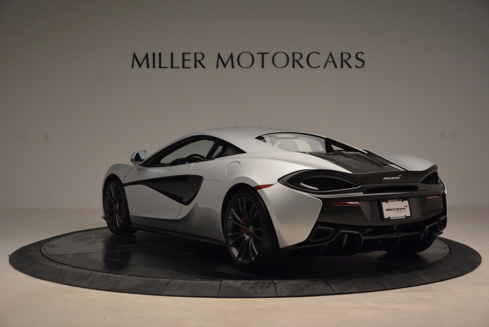 Used 2017 McLaren 570S  For Sale In Greenwich, CT. Alfa Romeo of Greenwich, MC300 1453_p5