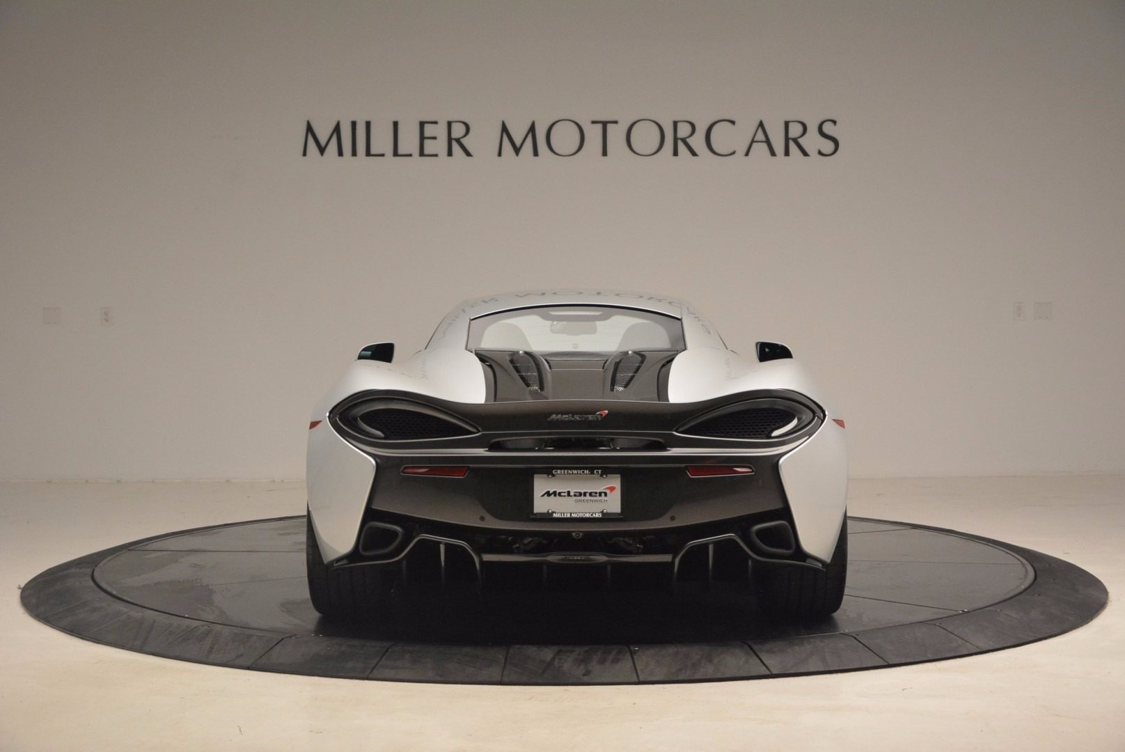 Used 2017 McLaren 570S  For Sale In Greenwich, CT. Alfa Romeo of Greenwich, MC300 1453_p6