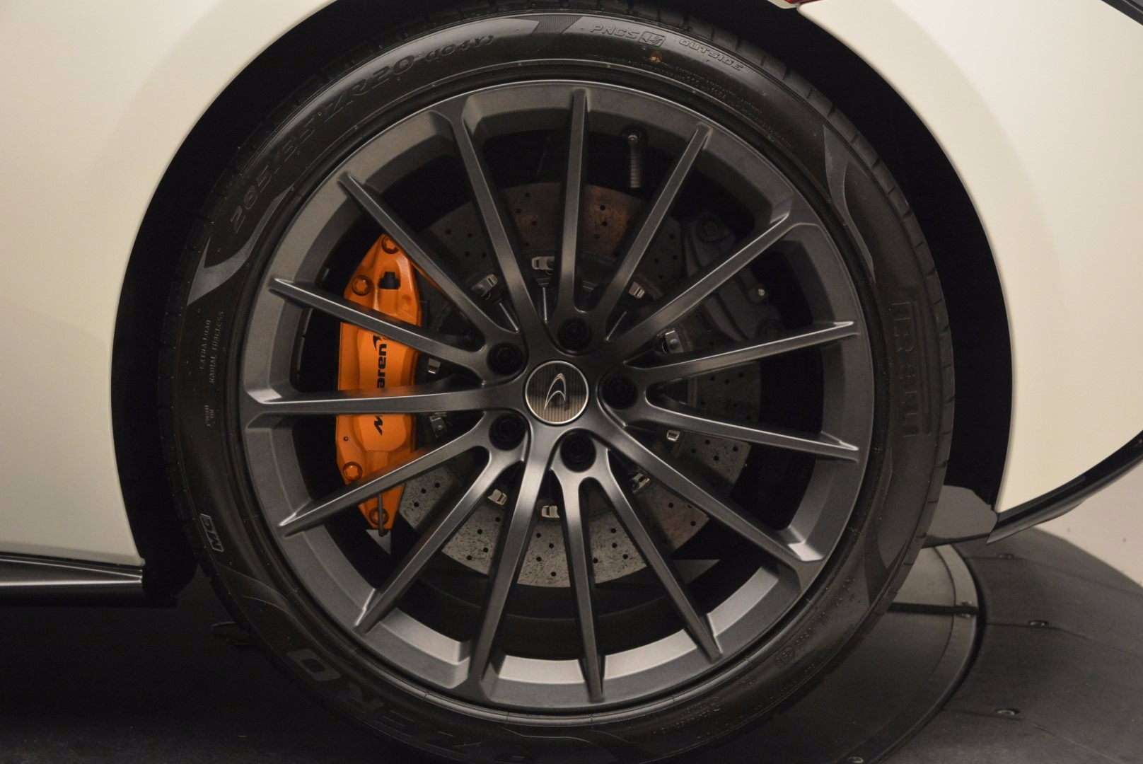 Used 2017 McLaren 570GT  For Sale In Greenwich, CT. Alfa Romeo of Greenwich, MC303 1455_p13