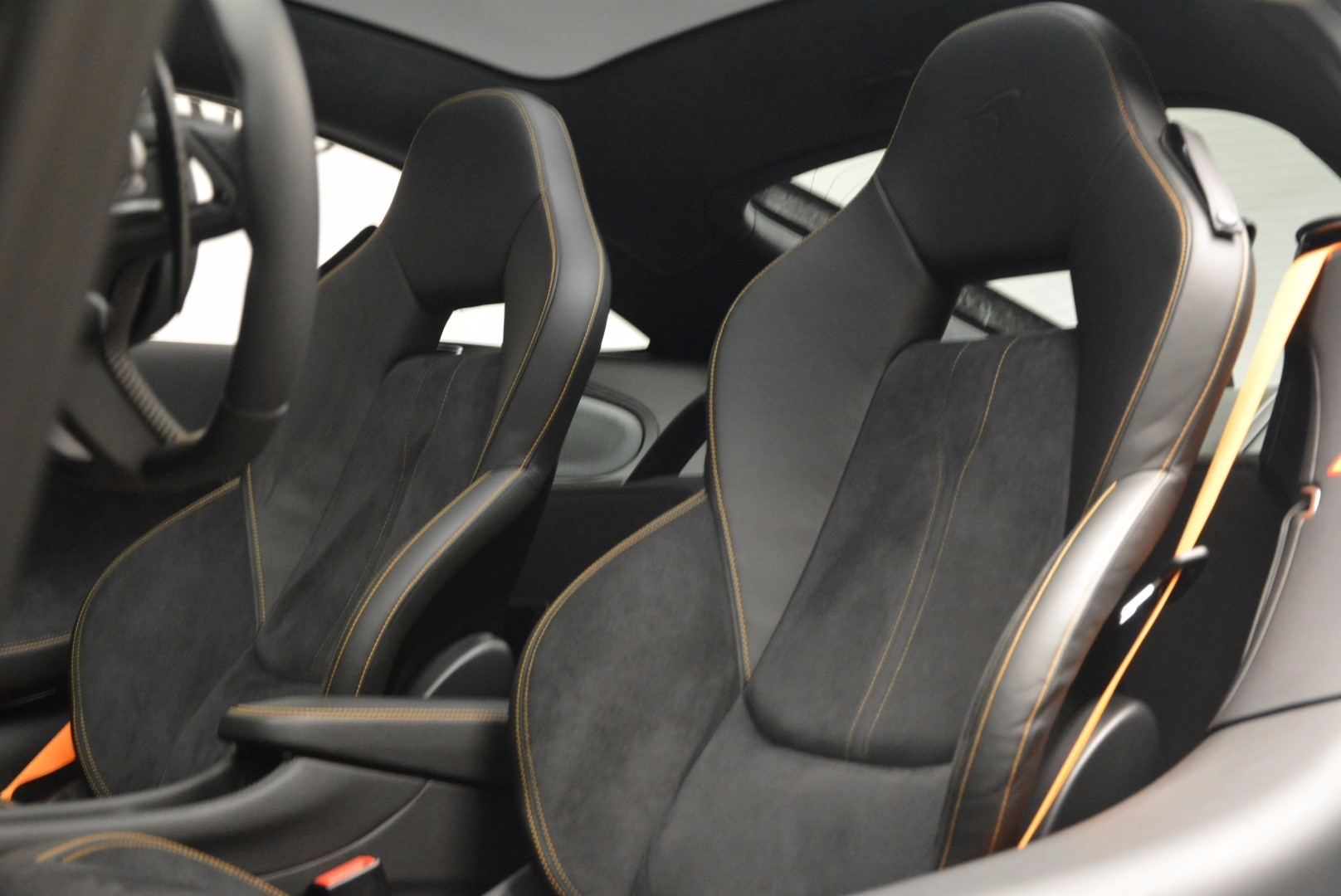 Used 2017 McLaren 570GT  For Sale In Greenwich, CT. Alfa Romeo of Greenwich, MC303 1455_p17