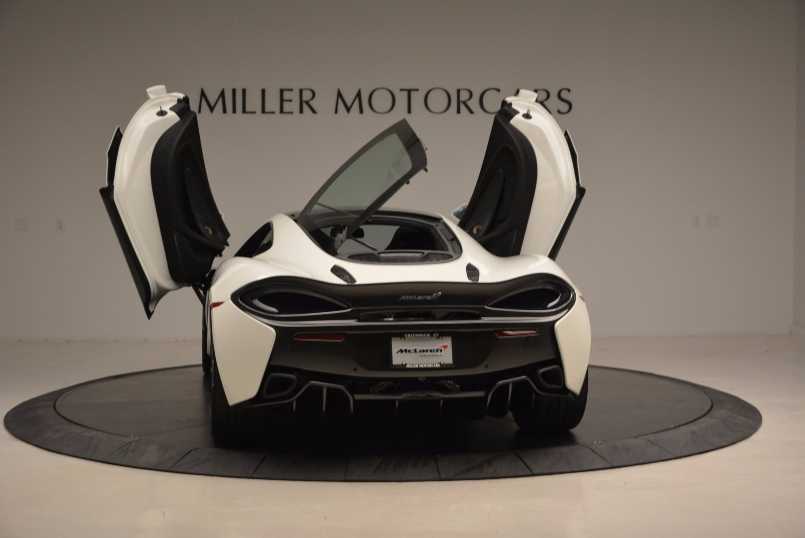Used 2017 McLaren 570GT  For Sale In Greenwich, CT. Alfa Romeo of Greenwich, MC303 1455_p25
