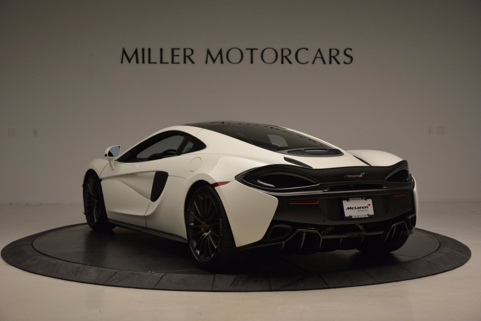 Used 2017 McLaren 570GT  For Sale In Greenwich, CT. Alfa Romeo of Greenwich, MC303 1455_p5