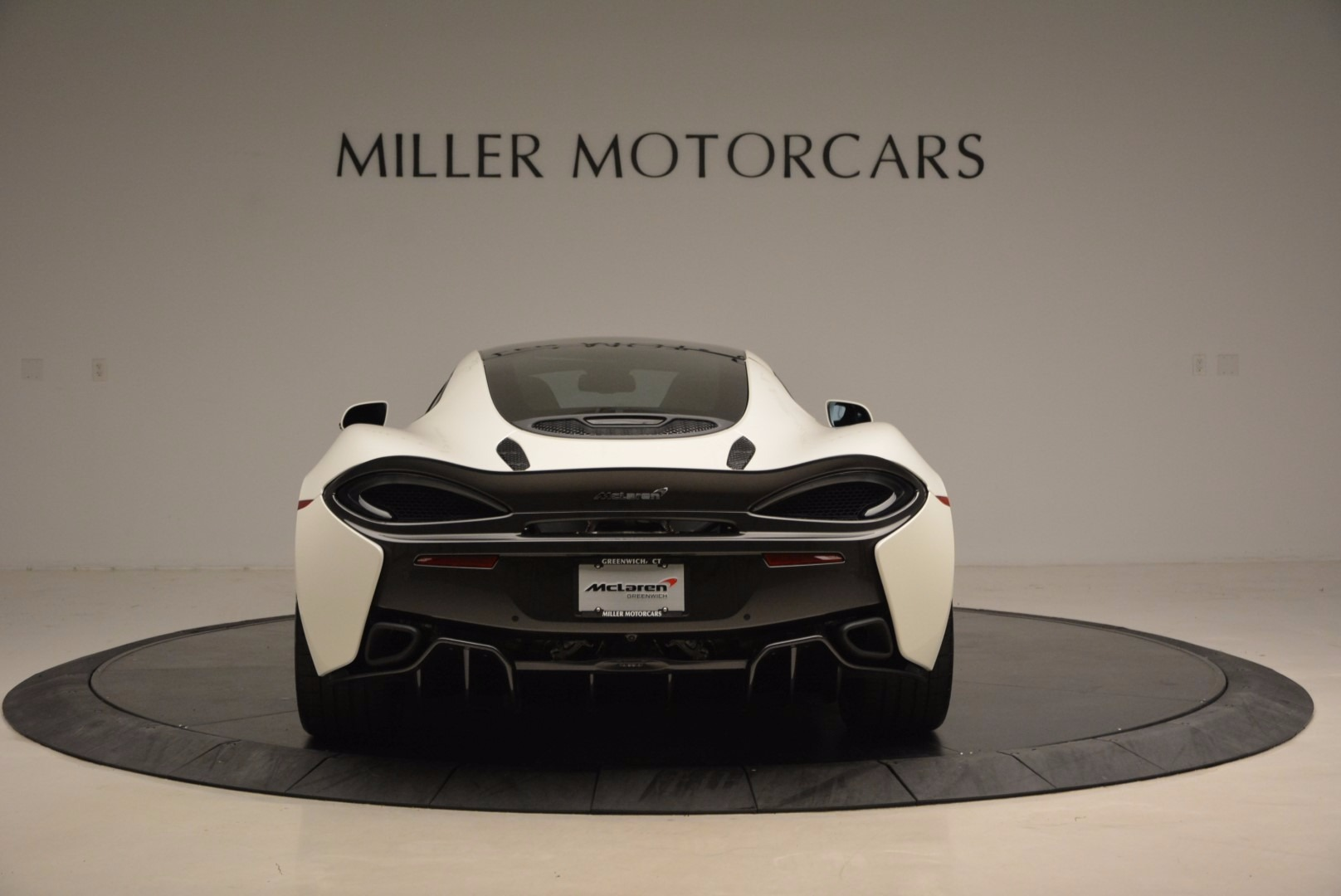 Used 2017 McLaren 570GT  For Sale In Greenwich, CT. Alfa Romeo of Greenwich, MC303 1455_p6