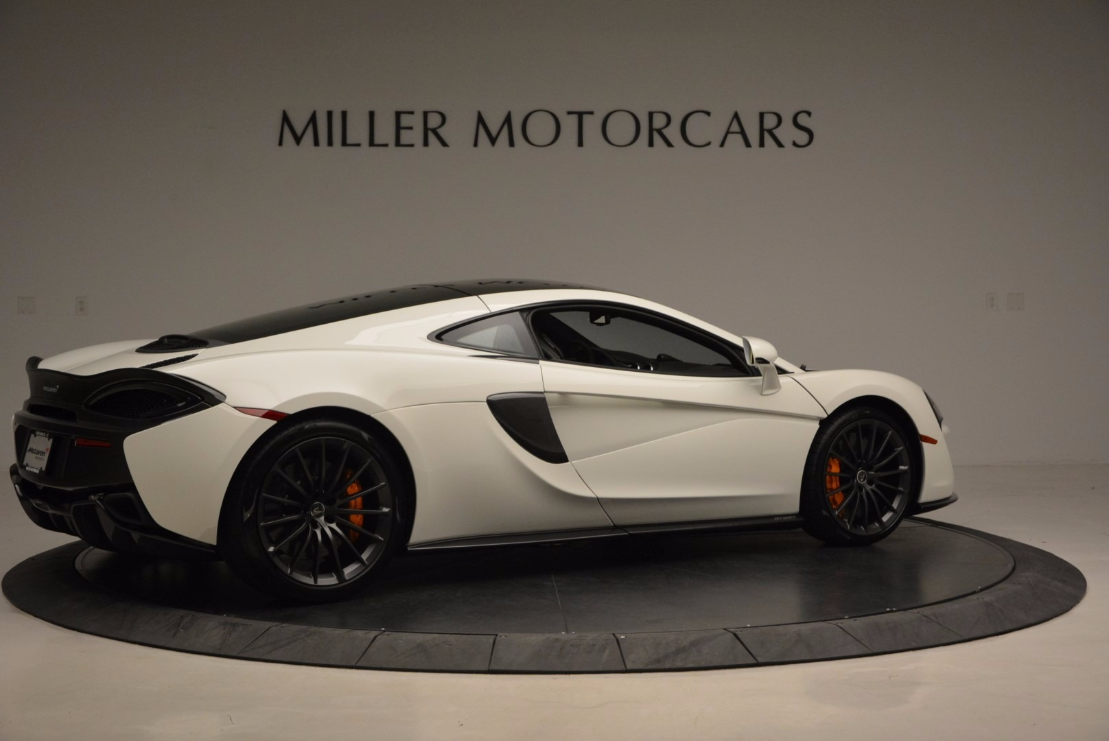 Used 2017 McLaren 570GT  For Sale In Greenwich, CT. Alfa Romeo of Greenwich, MC303 1455_p8