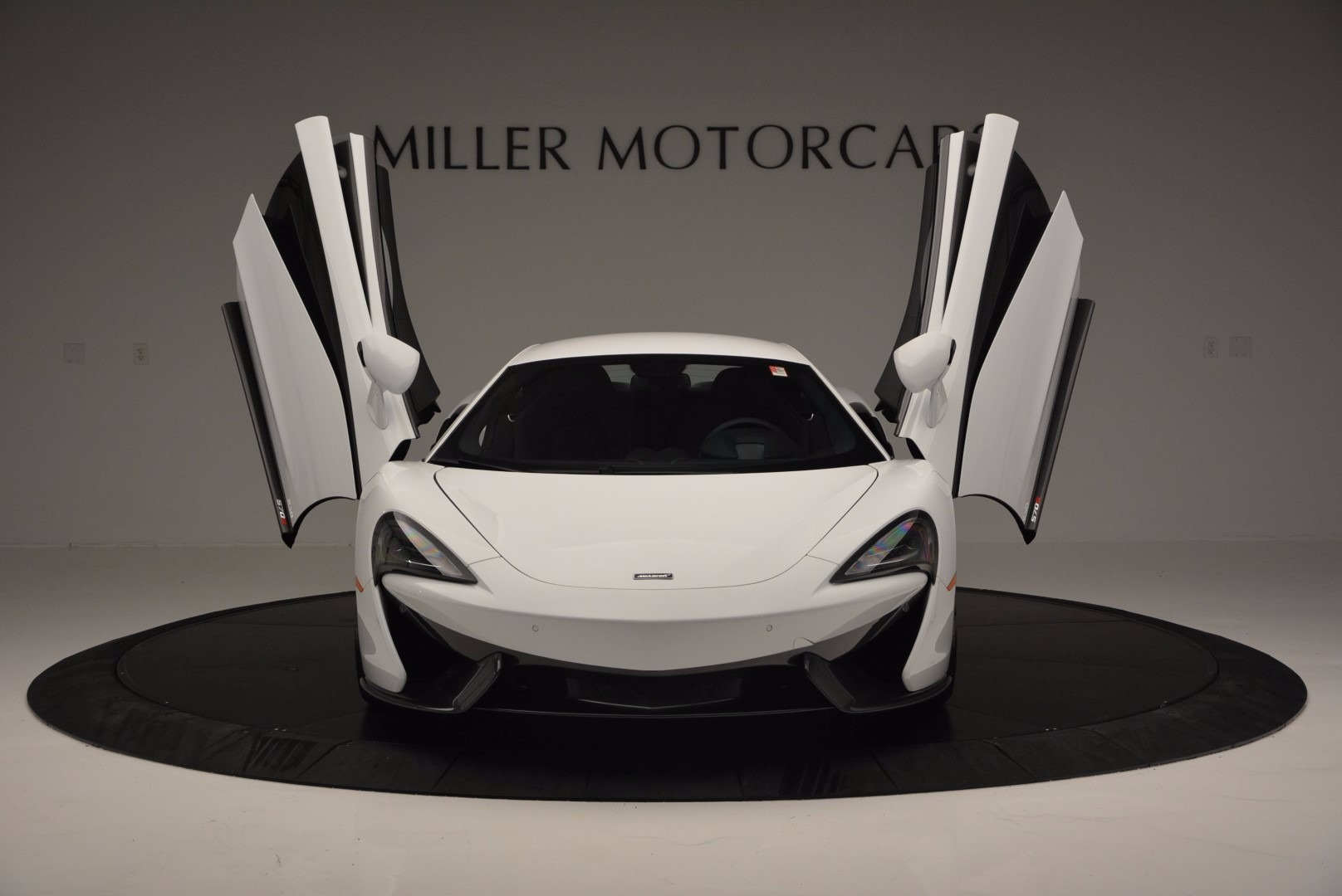 Used 2016 McLaren 570S  For Sale In Greenwich, CT. Alfa Romeo of Greenwich, 3104 1464_p13