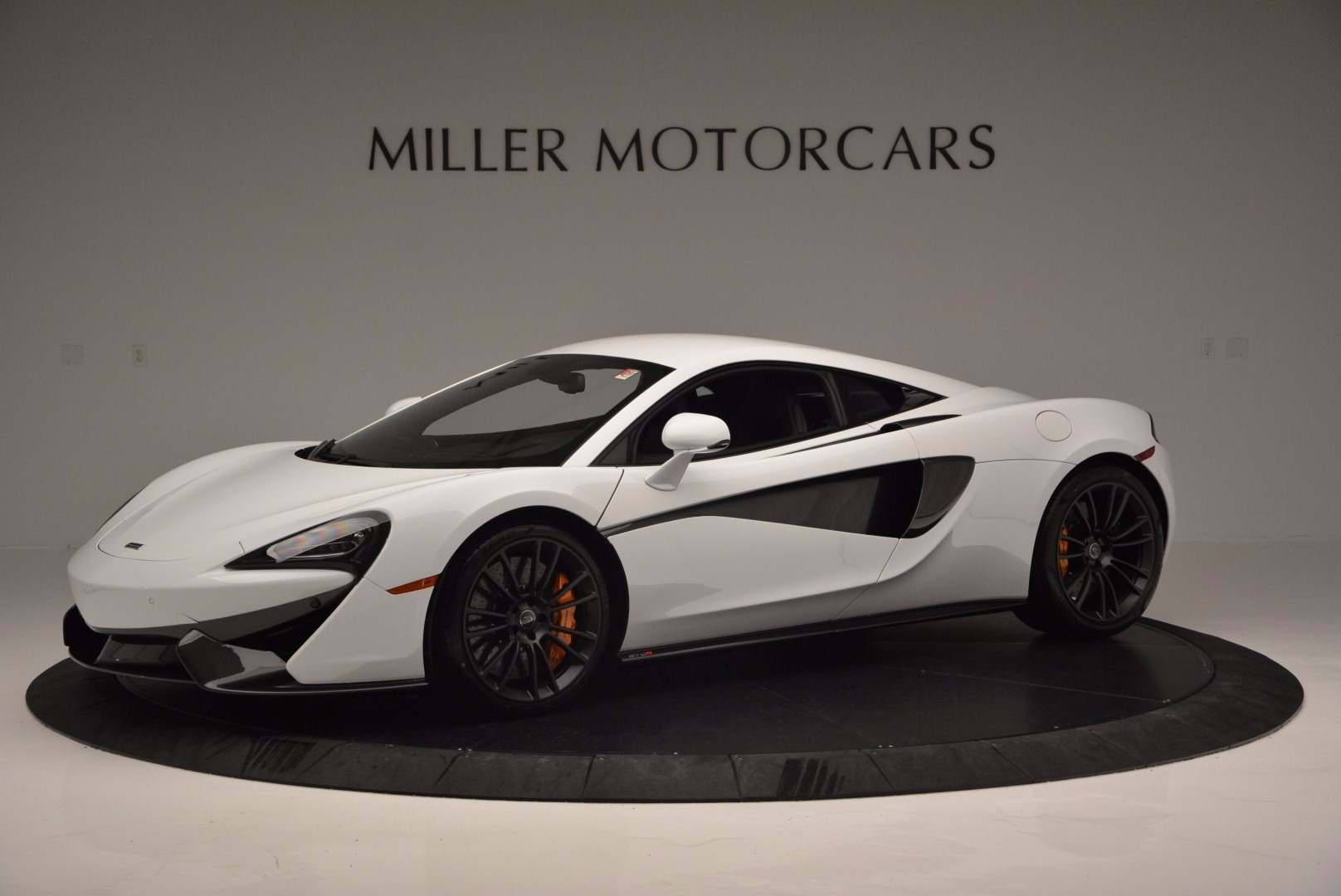 Used 2016 McLaren 570S  For Sale In Greenwich, CT. Alfa Romeo of Greenwich, 3104 1464_p2