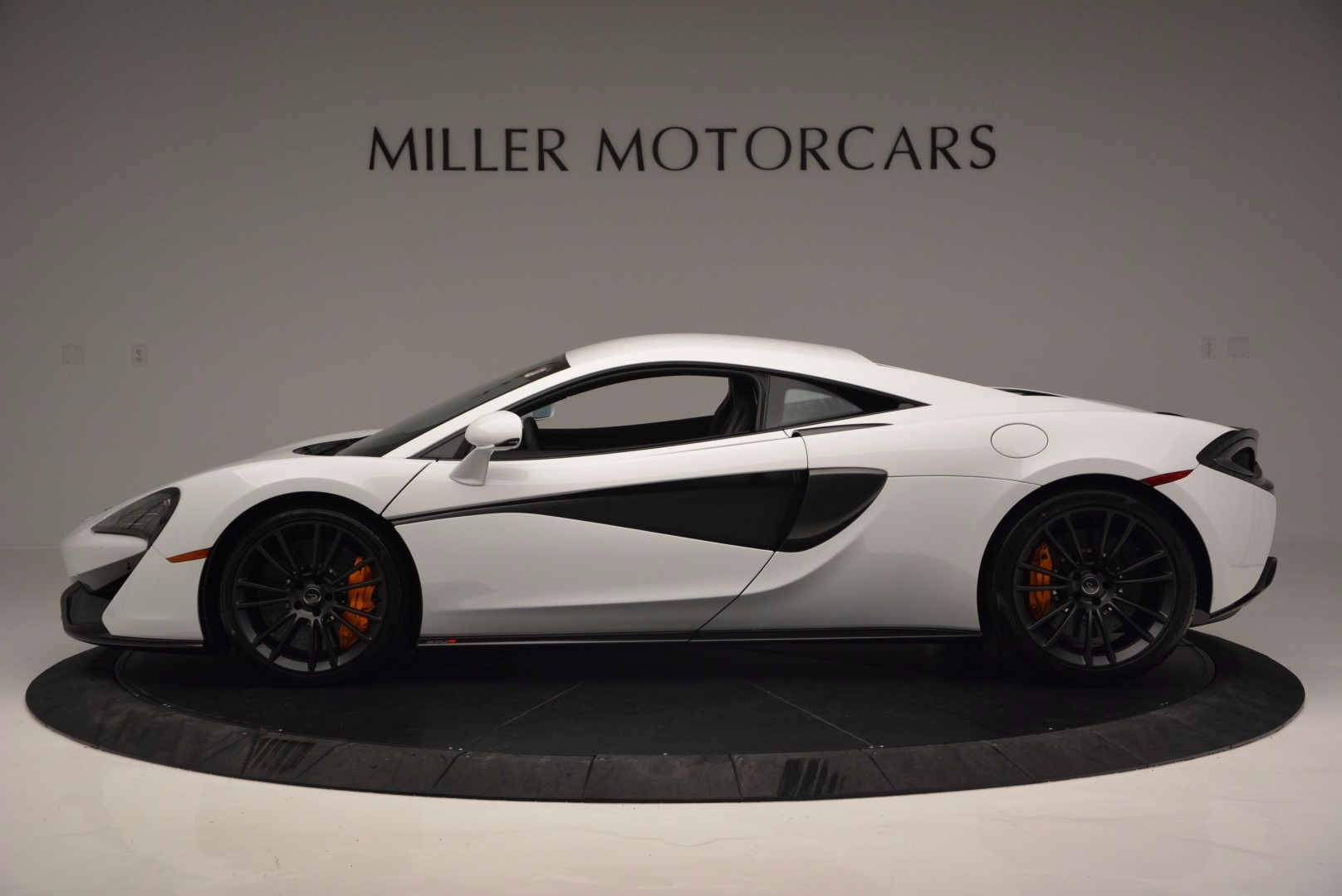 Used 2016 McLaren 570S  For Sale In Greenwich, CT. Alfa Romeo of Greenwich, 3104 1464_p3