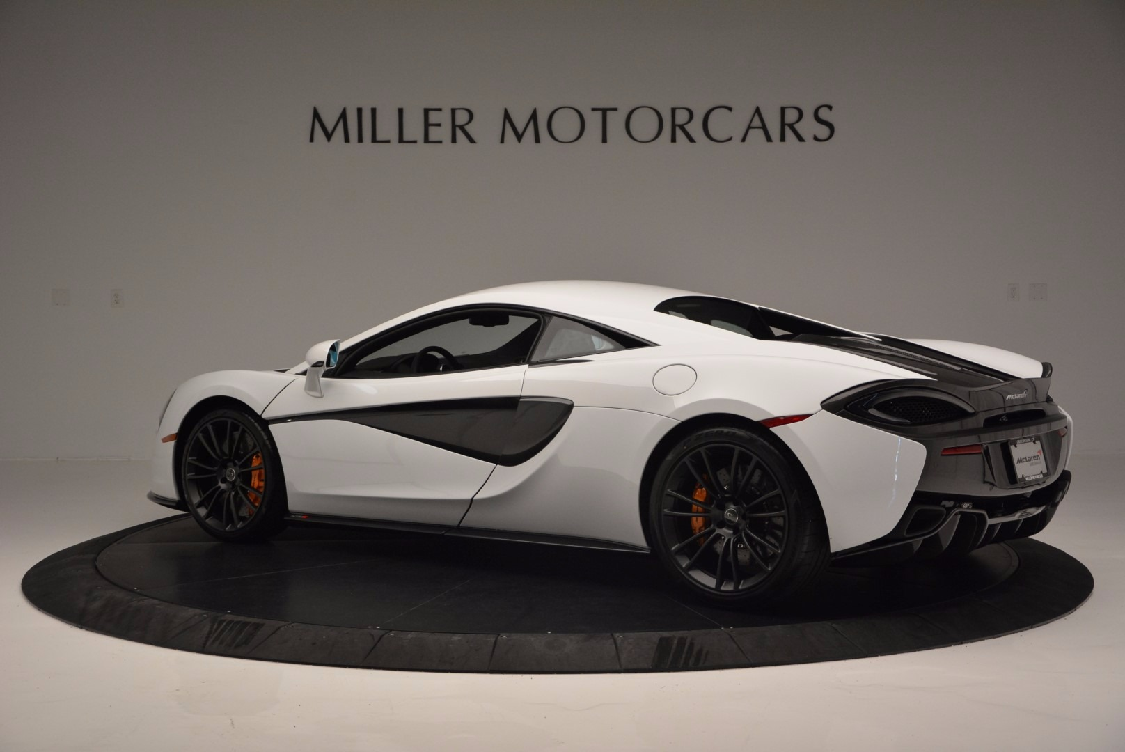 Used 2016 McLaren 570S  For Sale In Greenwich, CT. Alfa Romeo of Greenwich, 3104 1464_p4