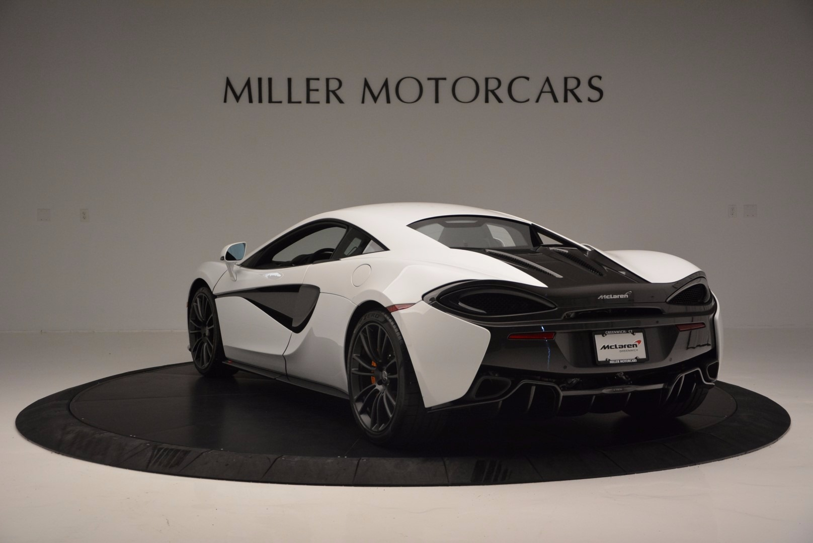 Used 2016 McLaren 570S  For Sale In Greenwich, CT. Alfa Romeo of Greenwich, 3104 1464_p5