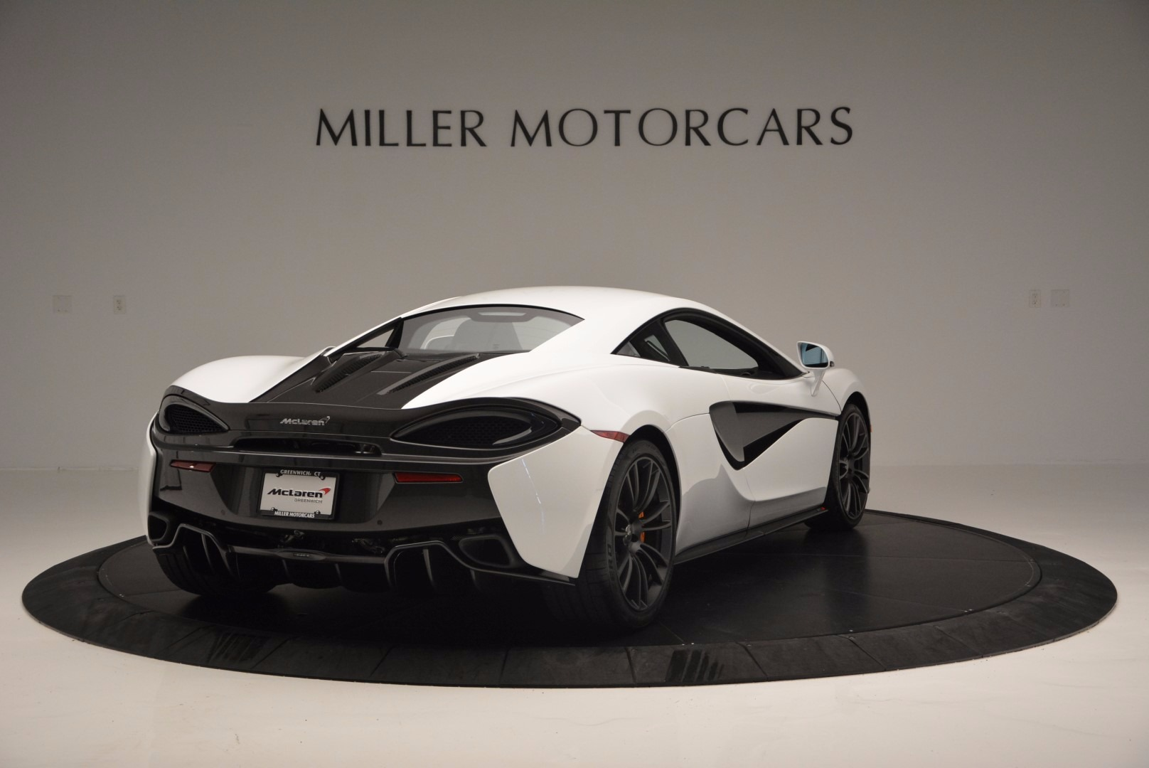 Used 2016 McLaren 570S  For Sale In Greenwich, CT. Alfa Romeo of Greenwich, 3104 1464_p7