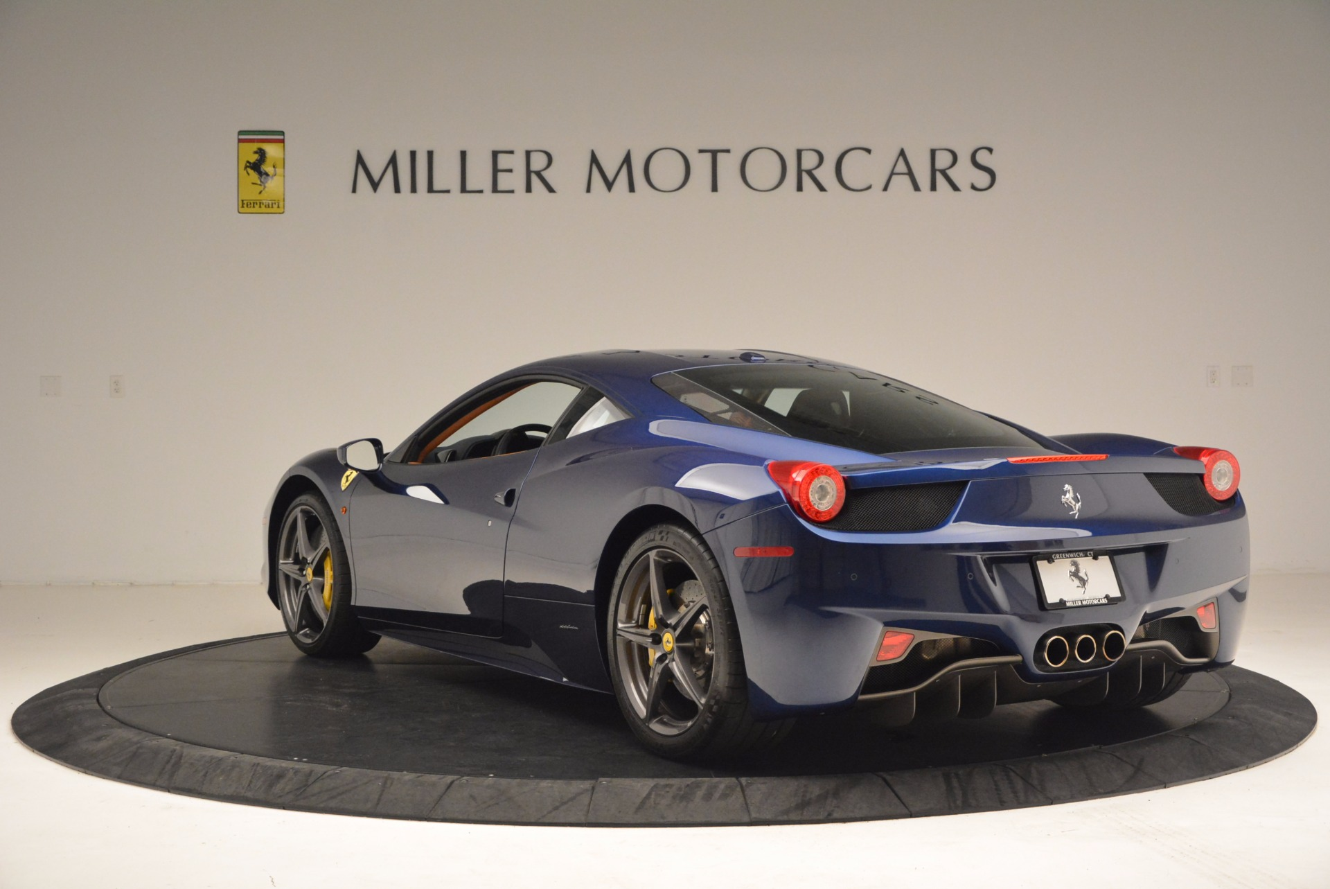 Used 2013 Ferrari 458 Italia  For Sale In Greenwich, CT. Alfa Romeo of Greenwich, F1817A 1465_p5