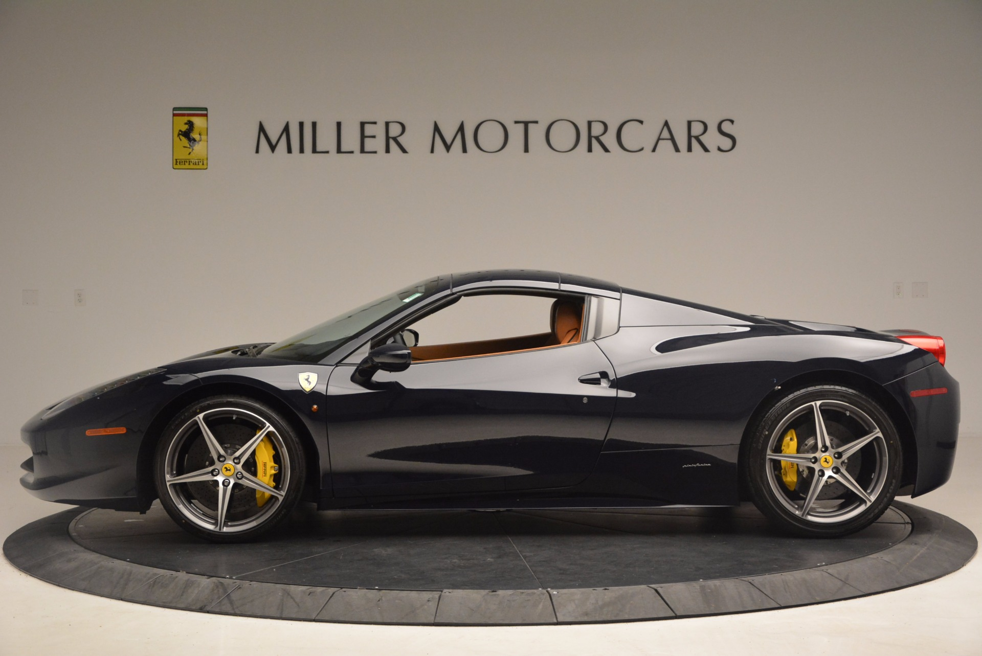 Used 2015 Ferrari 458 Spider  For Sale In Greenwich, CT. Alfa Romeo of Greenwich, F1820A 1477_p13