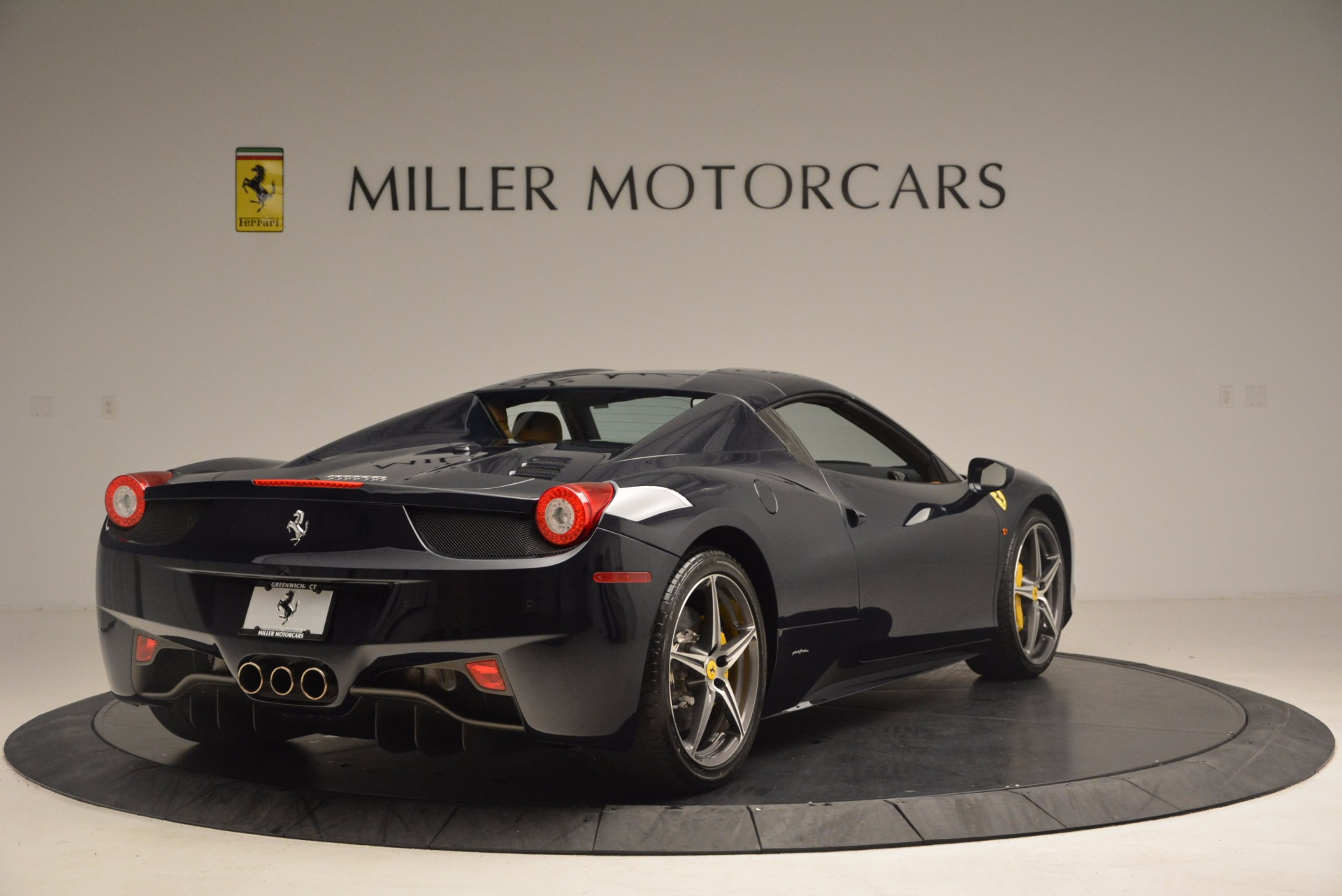 Used 2015 Ferrari 458 Spider  For Sale In Greenwich, CT. Alfa Romeo of Greenwich, F1820A 1477_p17
