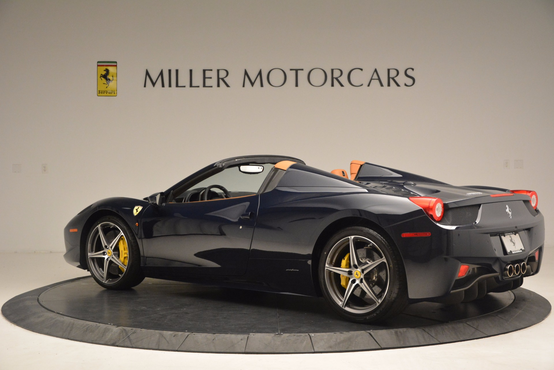 Used 2015 Ferrari 458 Spider  For Sale In Greenwich, CT. Alfa Romeo of Greenwich, F1820A 1477_p4