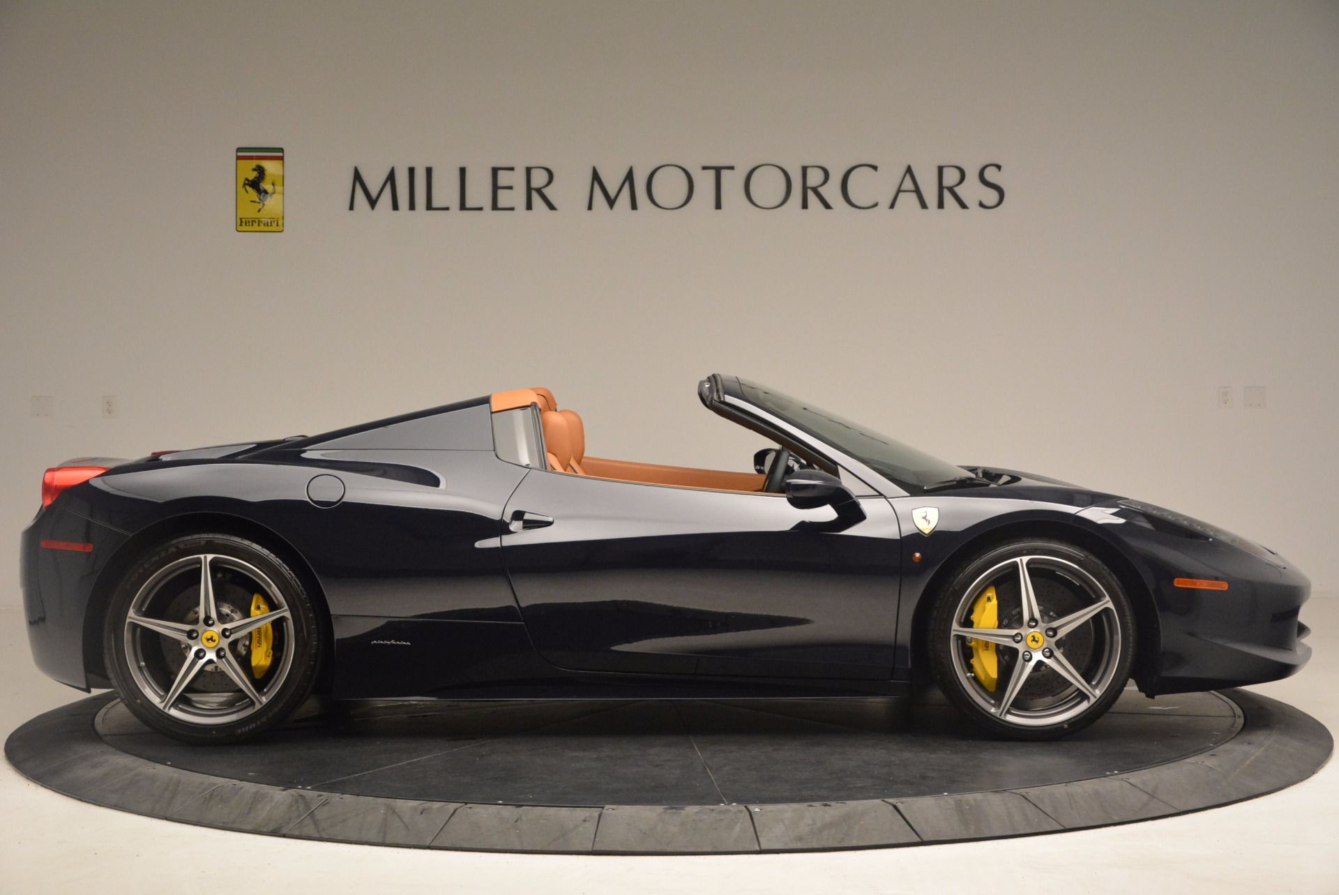 Used 2015 Ferrari 458 Spider  For Sale In Greenwich, CT. Alfa Romeo of Greenwich, F1820A 1477_p9