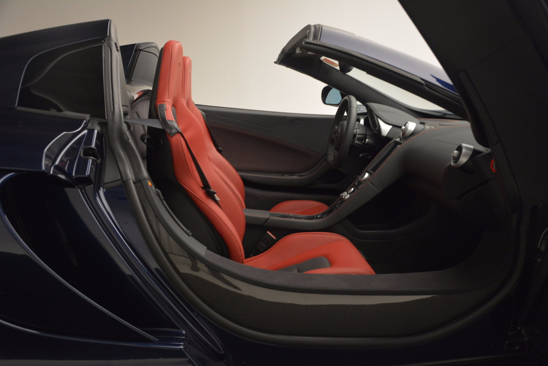 Used 2015 McLaren 650S Spider  For Sale In Greenwich, CT. Alfa Romeo of Greenwich, 3109 1480_p32