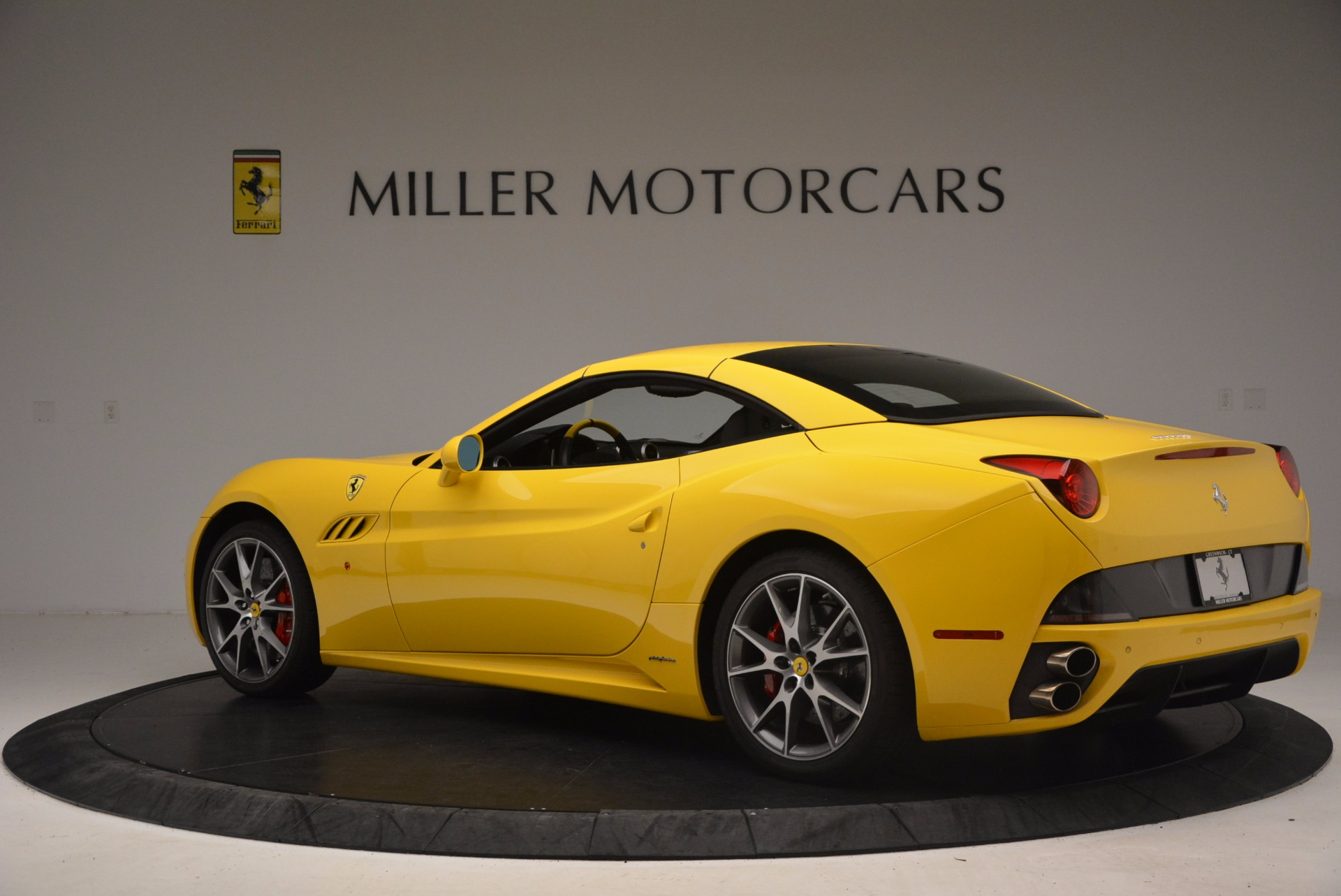 Used 2011 Ferrari California  For Sale In Greenwich, CT. Alfa Romeo of Greenwich, 4412 1481_p16