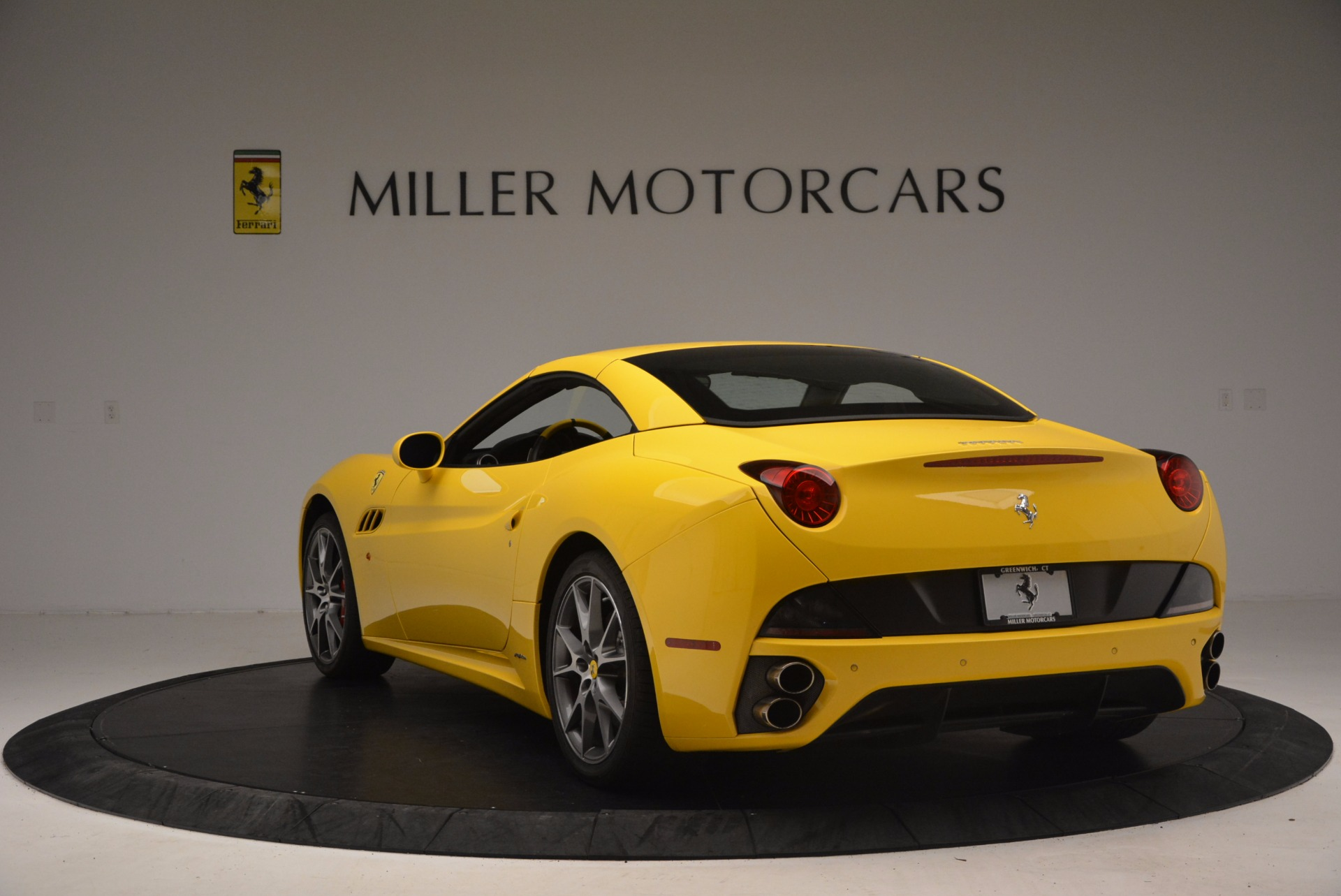Used 2011 Ferrari California  For Sale In Greenwich, CT. Alfa Romeo of Greenwich, 4412 1481_p17