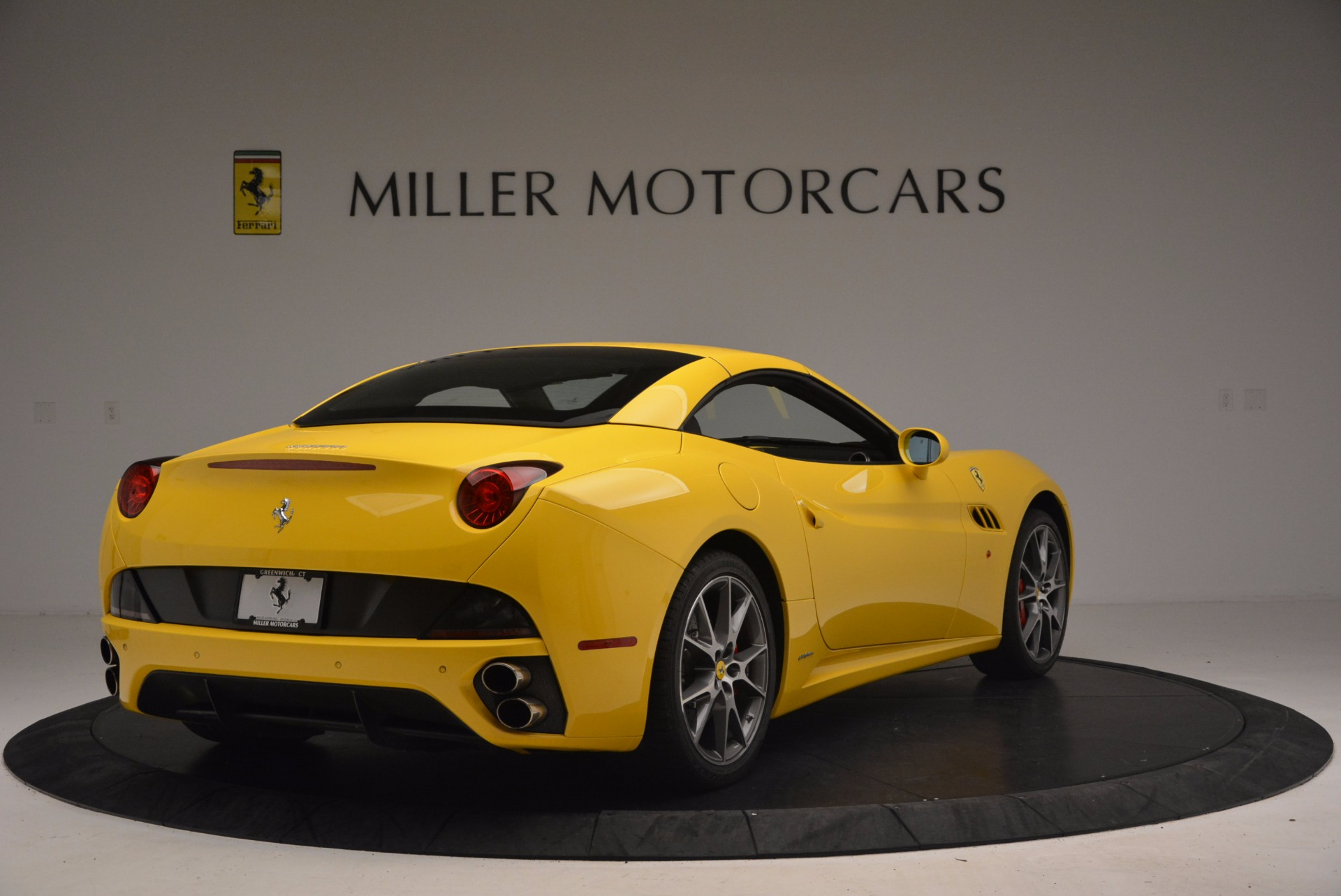 Used 2011 Ferrari California  For Sale In Greenwich, CT. Alfa Romeo of Greenwich, 4412 1481_p19