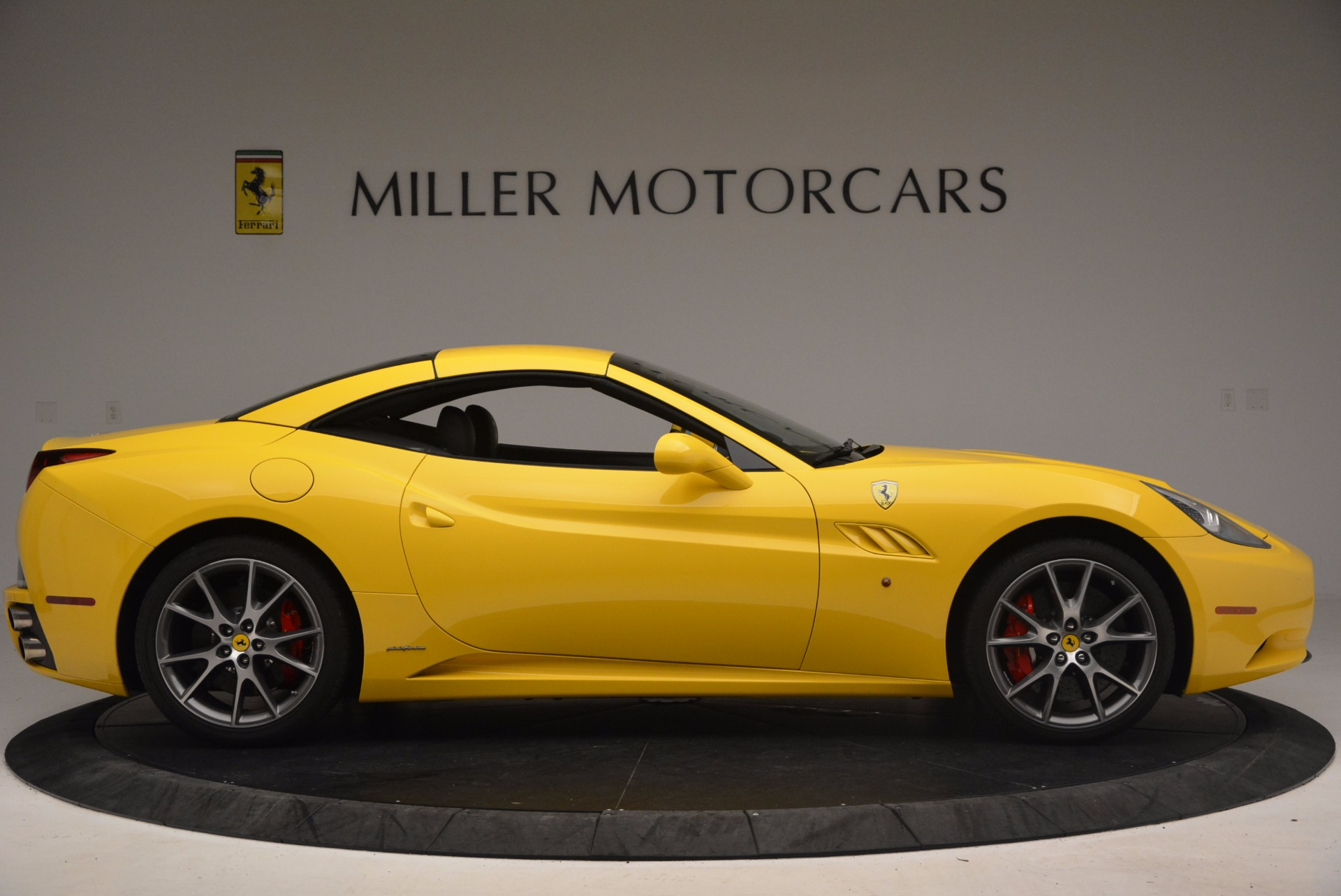 Used 2011 Ferrari California  For Sale In Greenwich, CT. Alfa Romeo of Greenwich, 4412 1481_p21