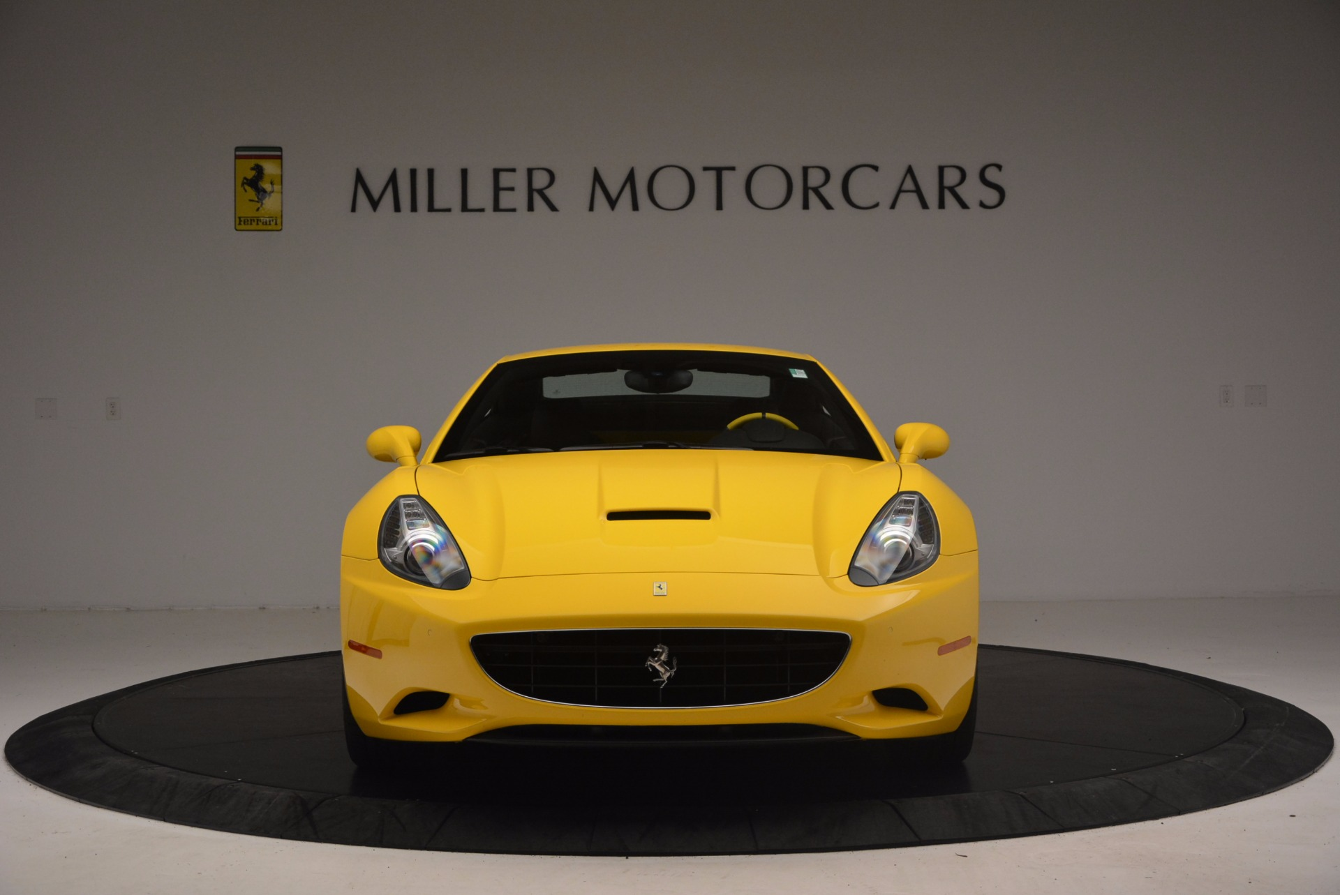 Used 2011 Ferrari California  For Sale In Greenwich, CT. Alfa Romeo of Greenwich, 4412 1481_p24