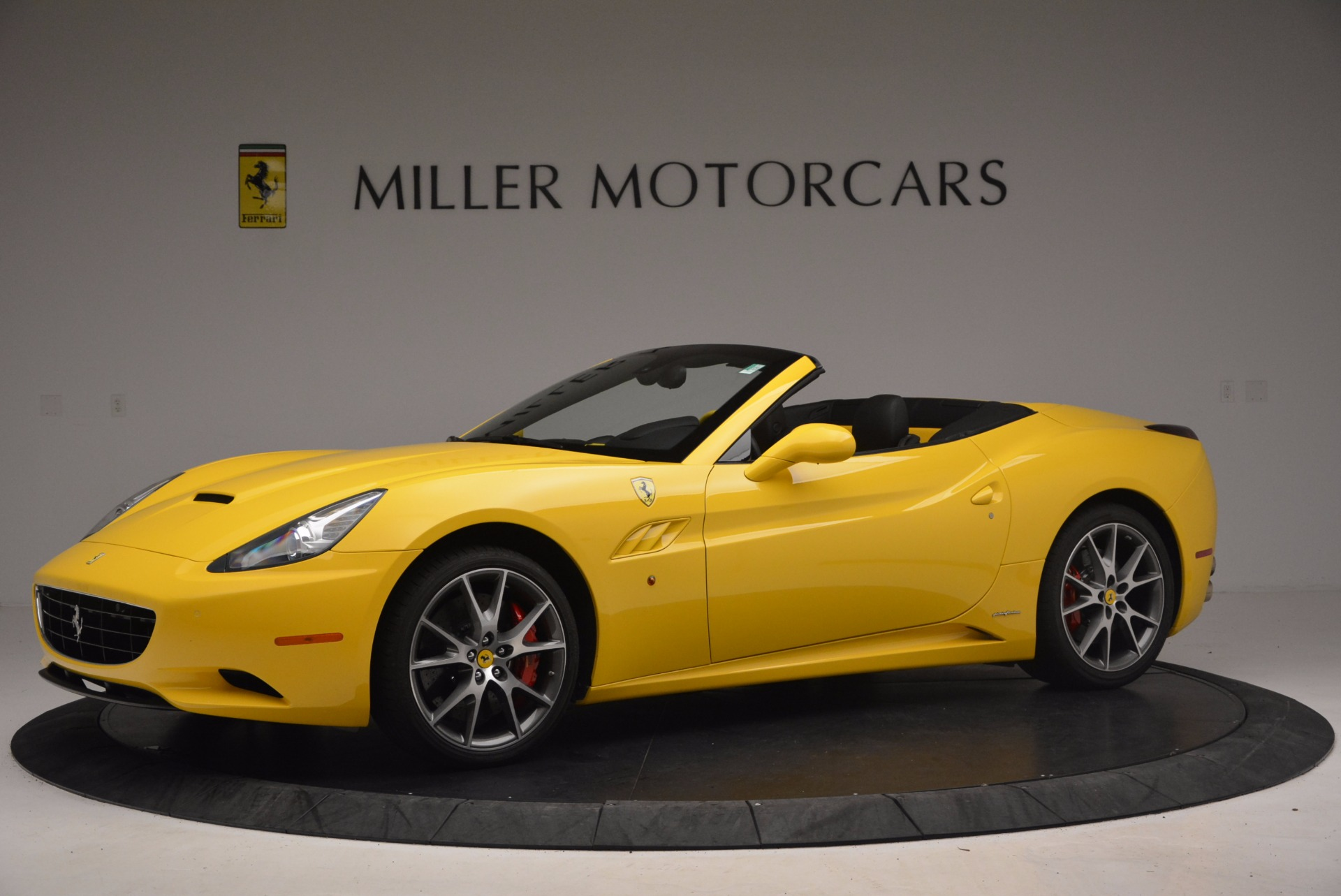 Used 2011 Ferrari California  For Sale In Greenwich, CT. Alfa Romeo of Greenwich, 4412 1481_p2