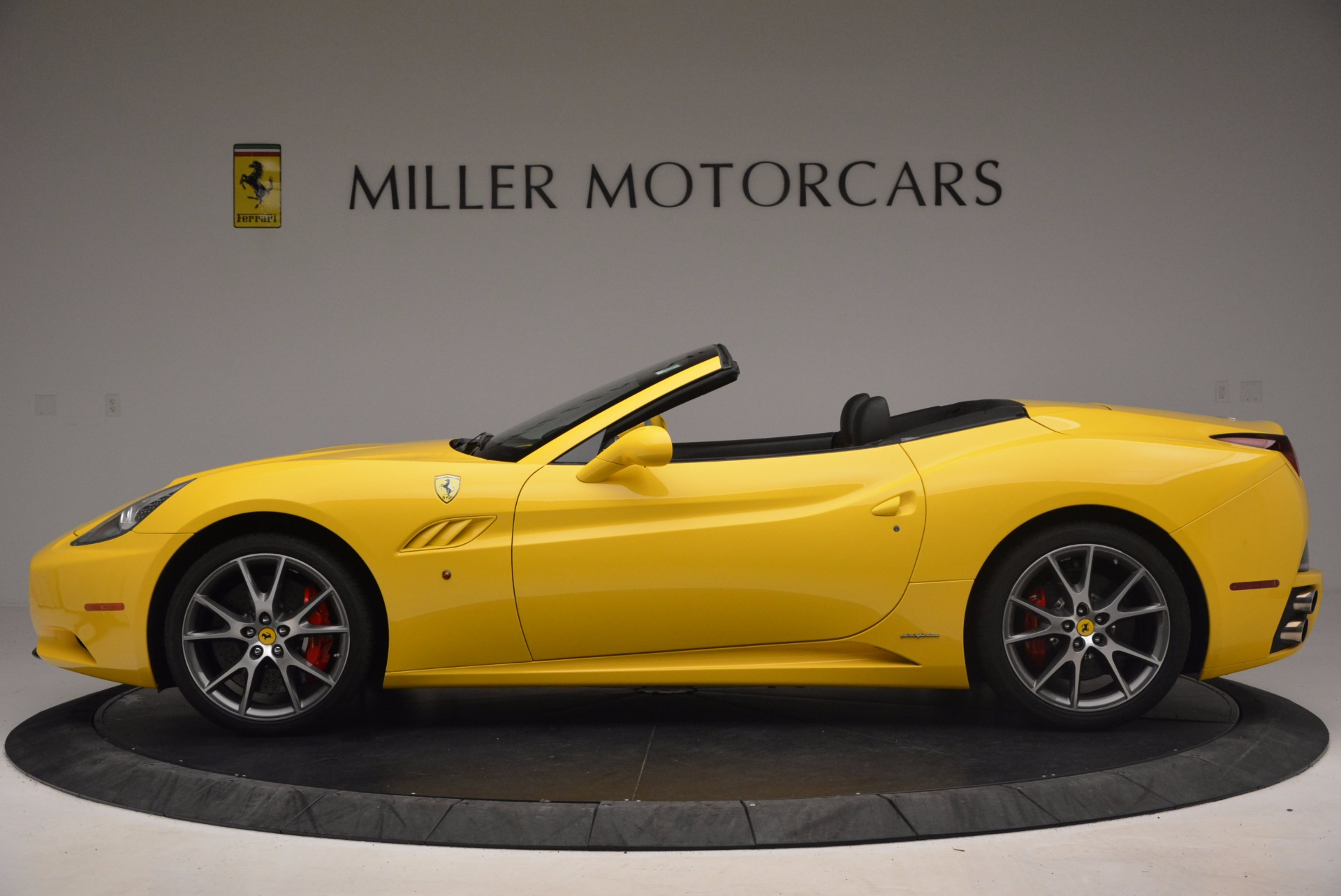 Used 2011 Ferrari California  For Sale In Greenwich, CT. Alfa Romeo of Greenwich, 4412 1481_p3
