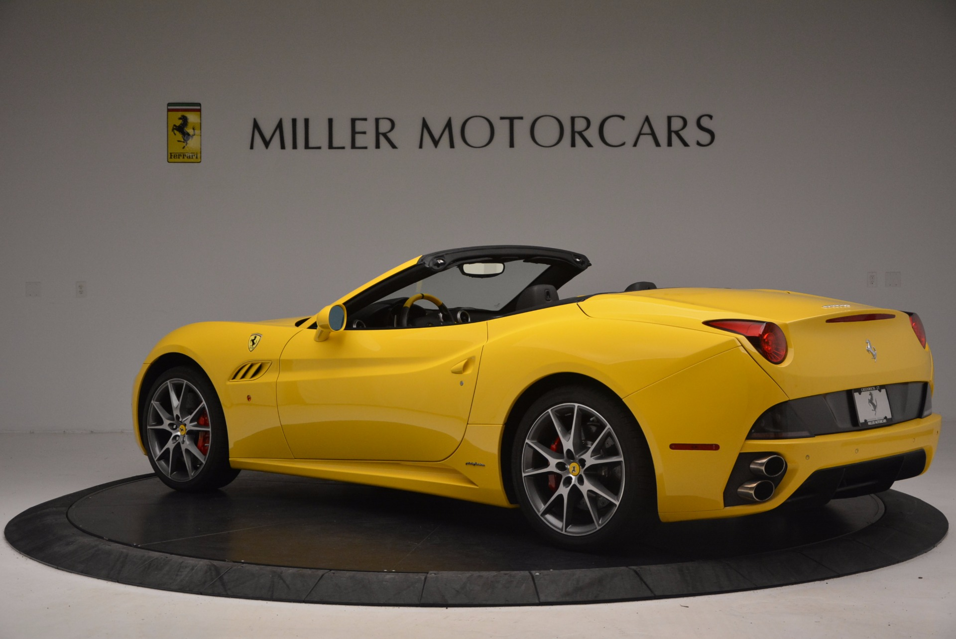 Used 2011 Ferrari California  For Sale In Greenwich, CT. Alfa Romeo of Greenwich, 4412 1481_p4