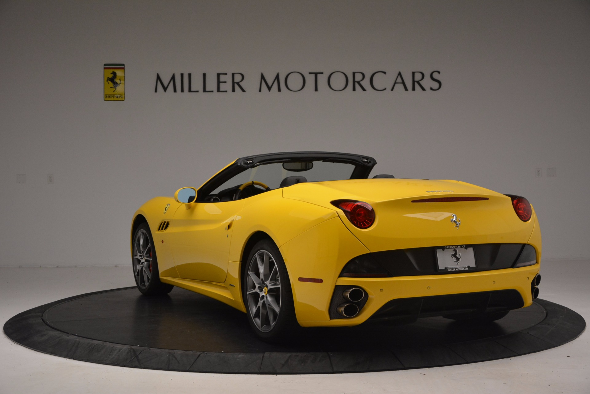 Used 2011 Ferrari California  For Sale In Greenwich, CT. Alfa Romeo of Greenwich, 4412 1481_p5
