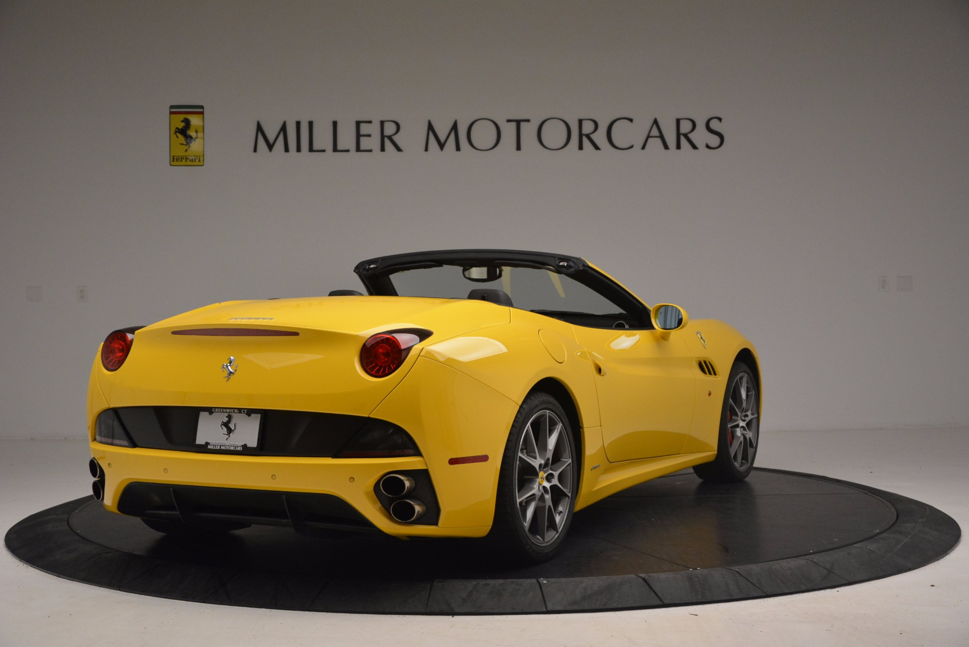 Used 2011 Ferrari California  For Sale In Greenwich, CT. Alfa Romeo of Greenwich, 4412 1481_p7