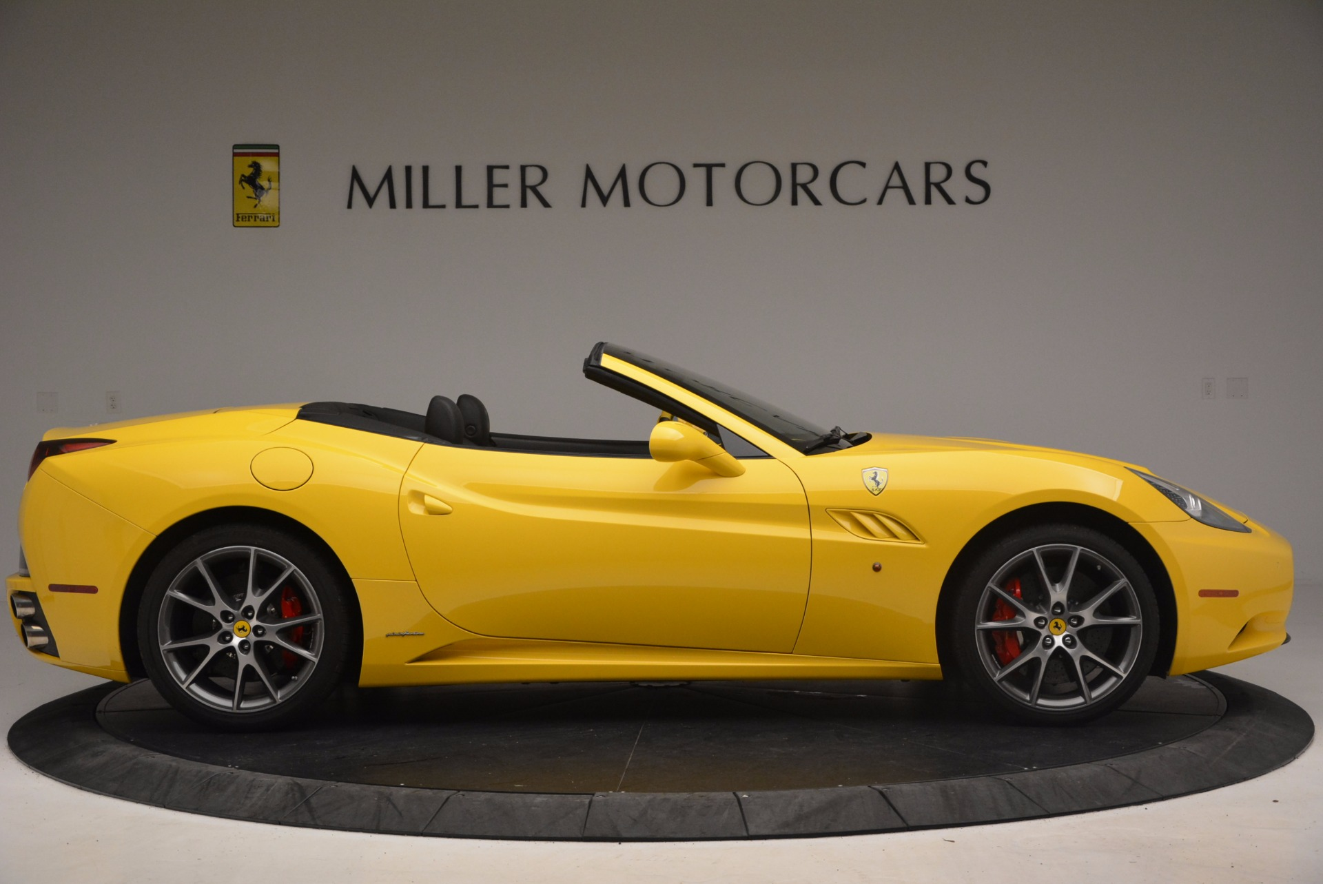 Used 2011 Ferrari California  For Sale In Greenwich, CT. Alfa Romeo of Greenwich, 4412 1481_p9