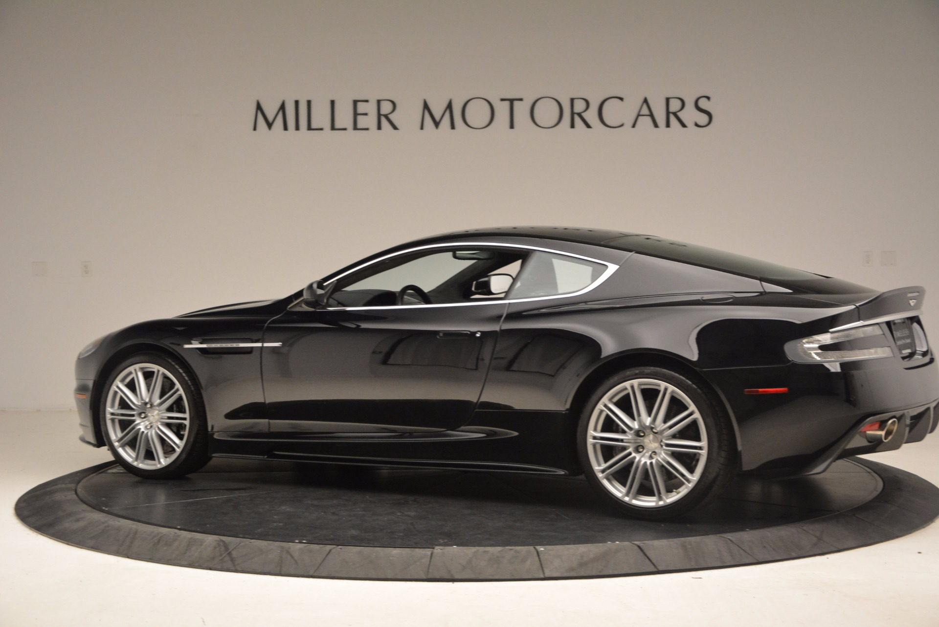 Used 2009 Aston Martin DBS  For Sale In Greenwich, CT. Alfa Romeo of Greenwich, A1227A 1485_p4