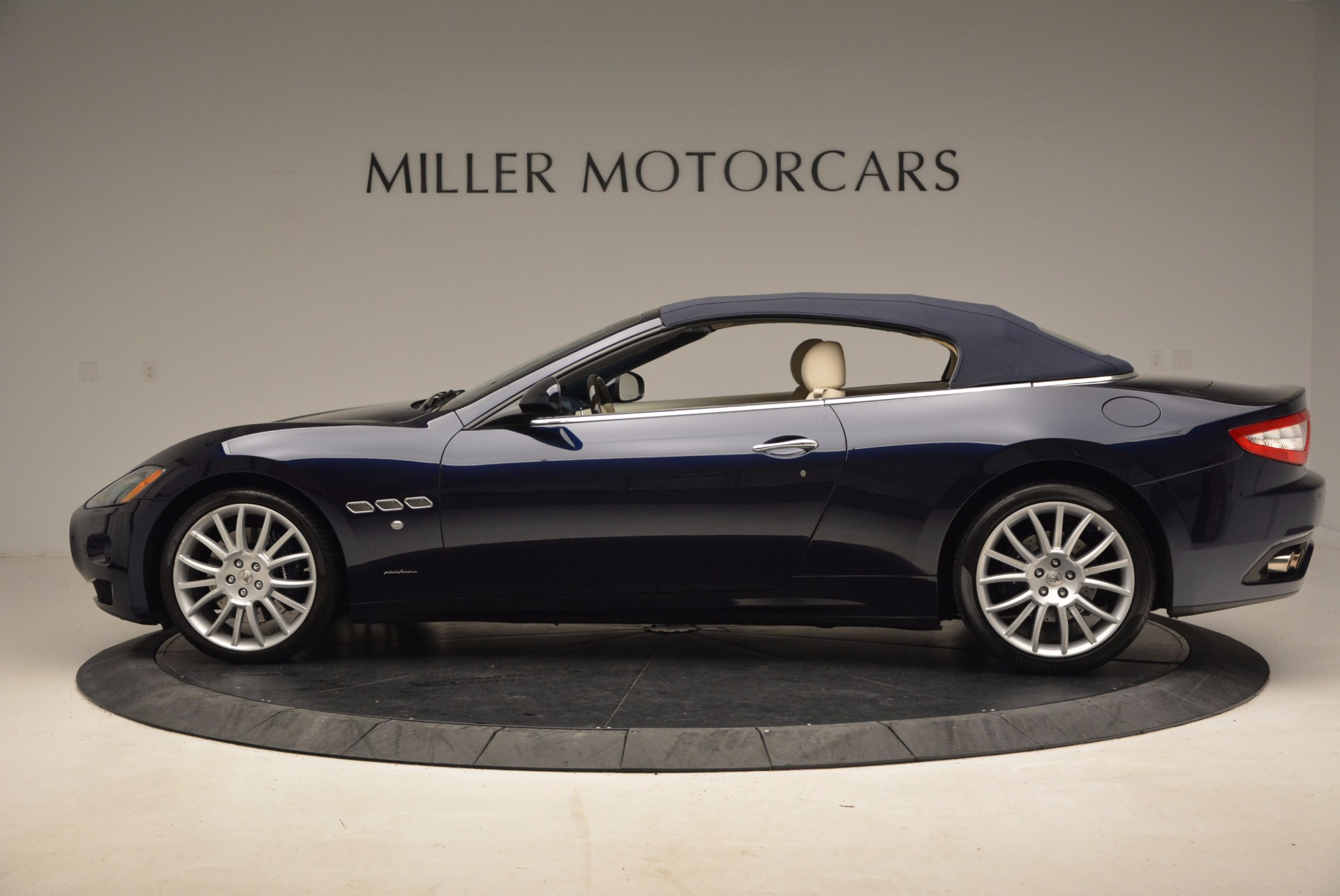 Used 2016 Maserati GranTurismo  For Sale In Greenwich, CT. Alfa Romeo of Greenwich, 7268 1499_p15