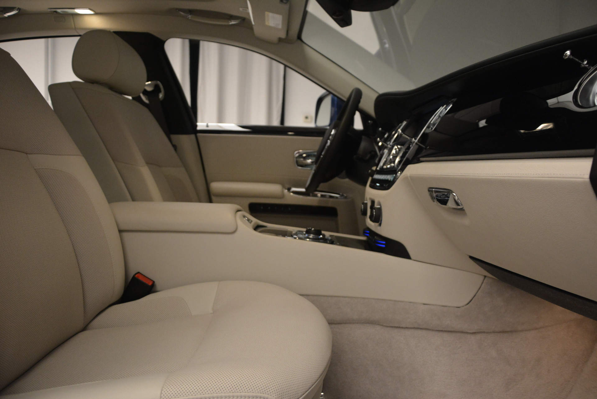 Used 2010 Rolls-Royce Ghost  For Sale In Greenwich, CT. Alfa Romeo of Greenwich, 7271 1504_p21