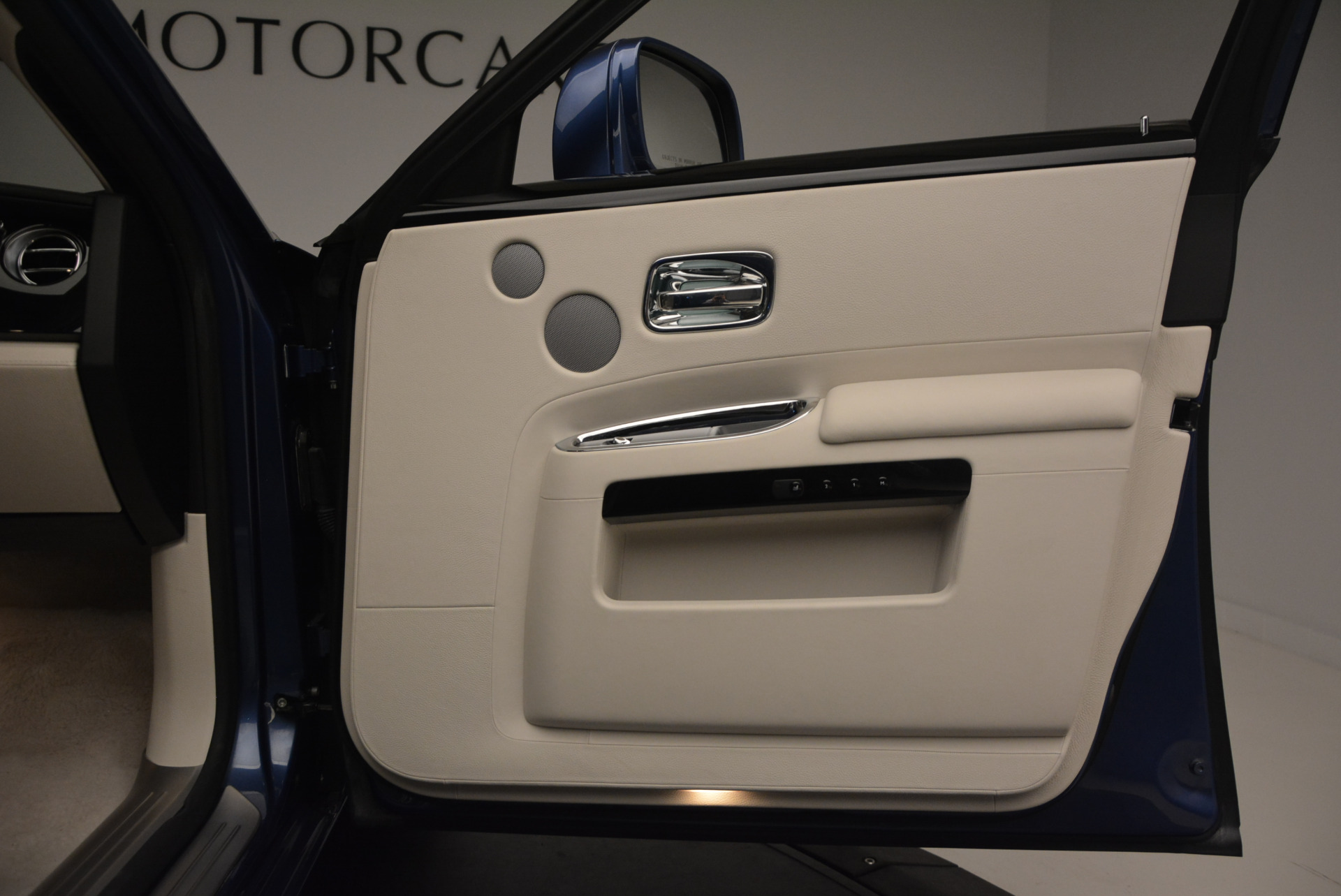 Used 2010 Rolls-Royce Ghost  For Sale In Greenwich, CT. Alfa Romeo of Greenwich, 7271 1504_p28