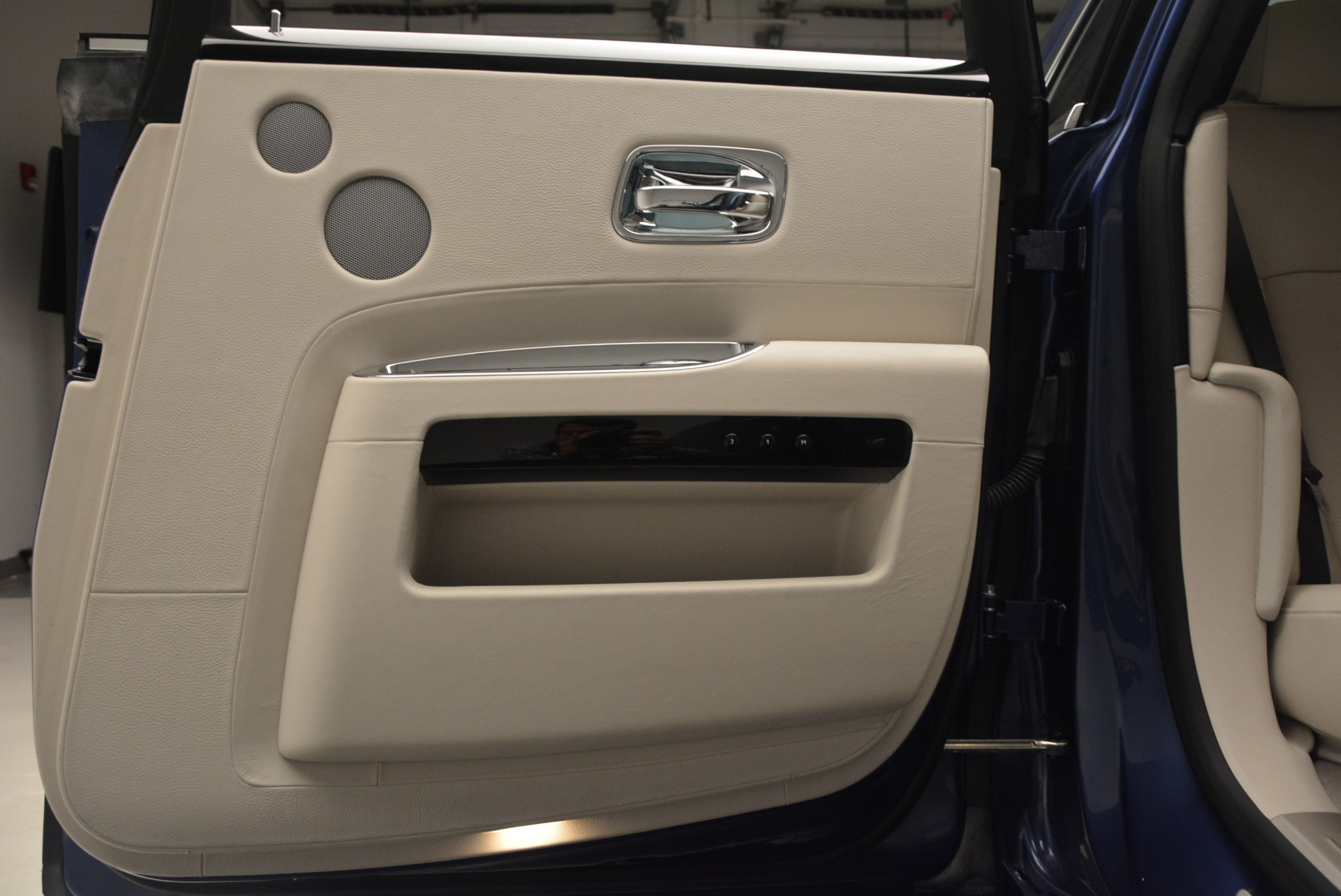 Used 2010 Rolls-Royce Ghost  For Sale In Greenwich, CT. Alfa Romeo of Greenwich, 7271 1504_p29