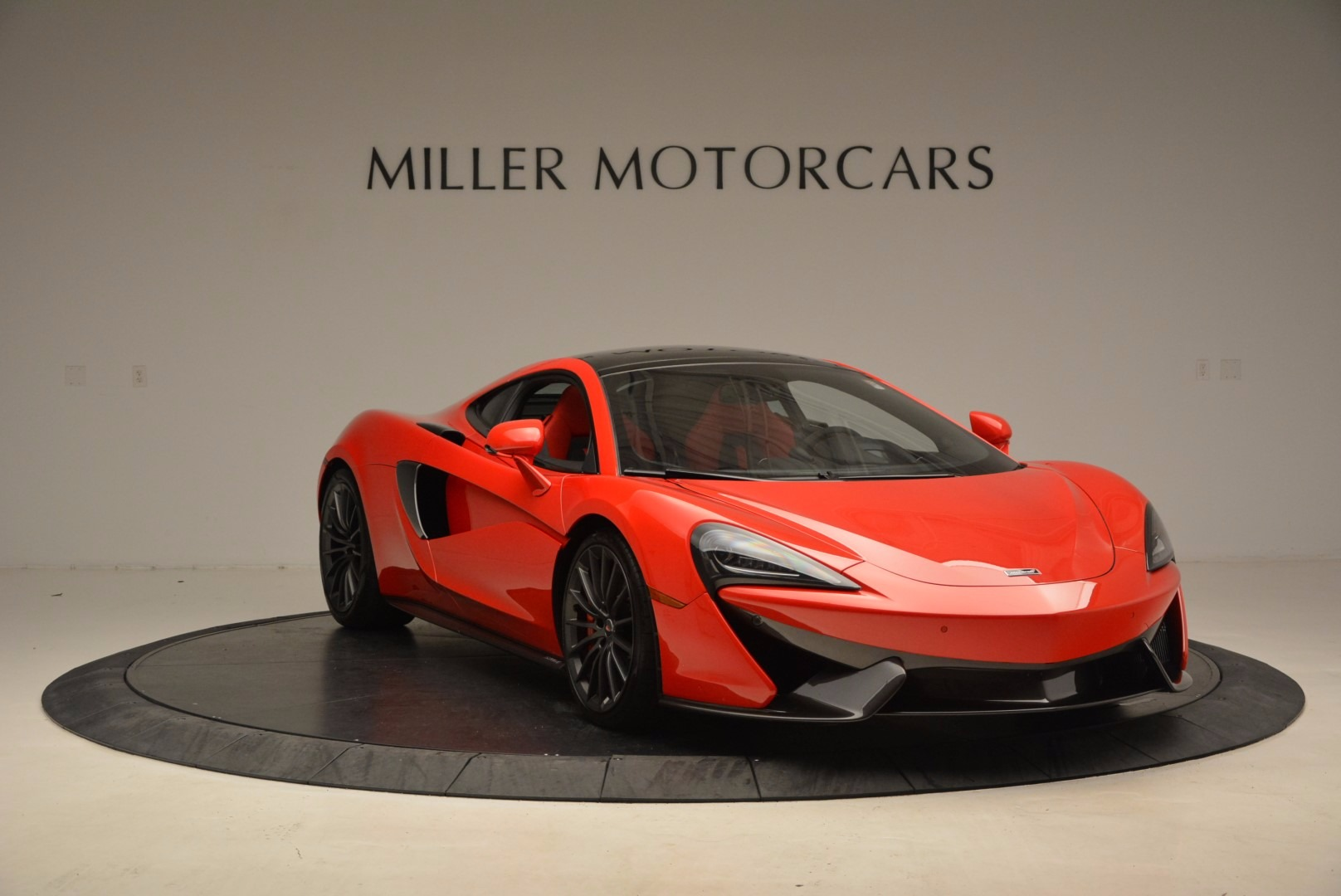 Used 2017 McLaren 570GT  For Sale In Greenwich, CT. Alfa Romeo of Greenwich, MC309A 1506_p10
