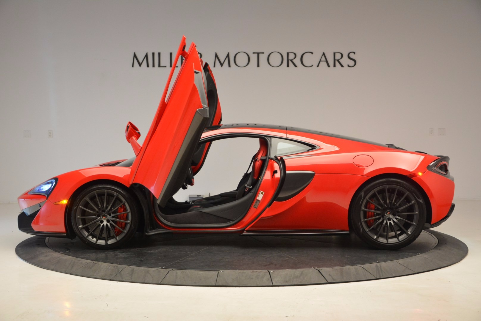 Used 2017 McLaren 570GT  For Sale In Greenwich, CT. Alfa Romeo of Greenwich, MC309A 1506_p15