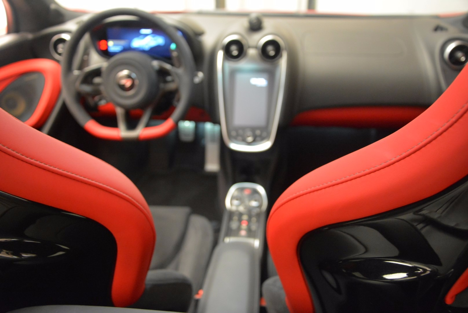 Used 2017 McLaren 570GT  For Sale In Greenwich, CT. Alfa Romeo of Greenwich, MC309A 1506_p19