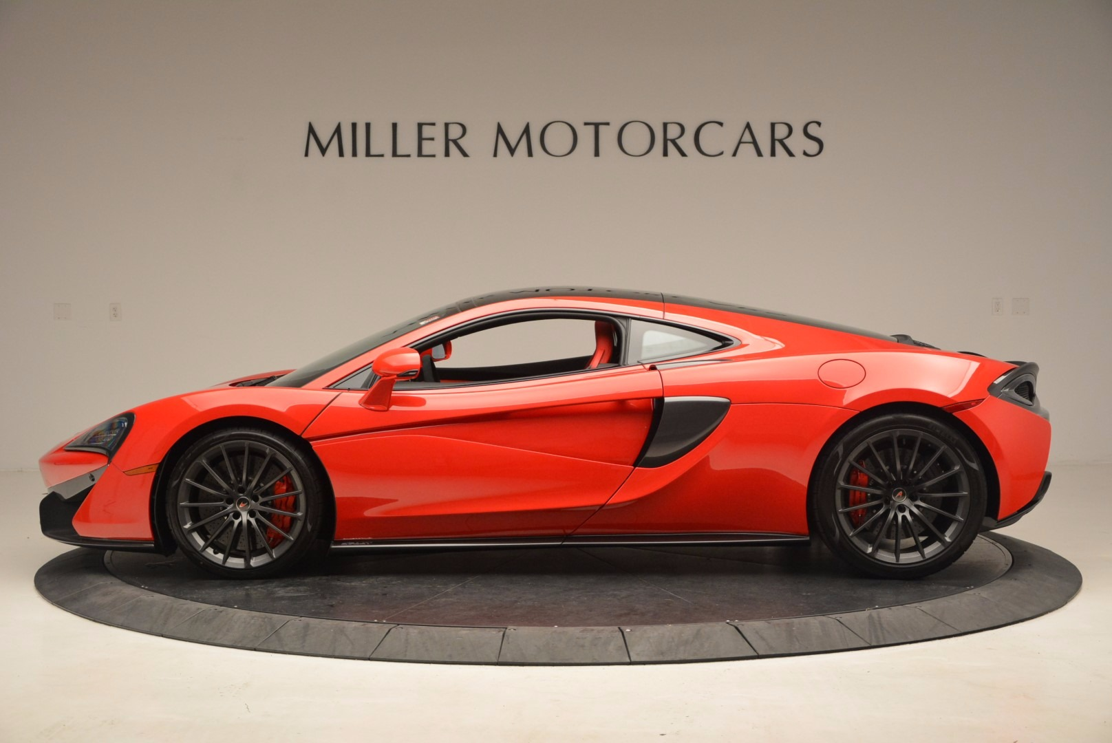 Used 2017 McLaren 570GT  For Sale In Greenwich, CT. Alfa Romeo of Greenwich, MC309A 1506_p3