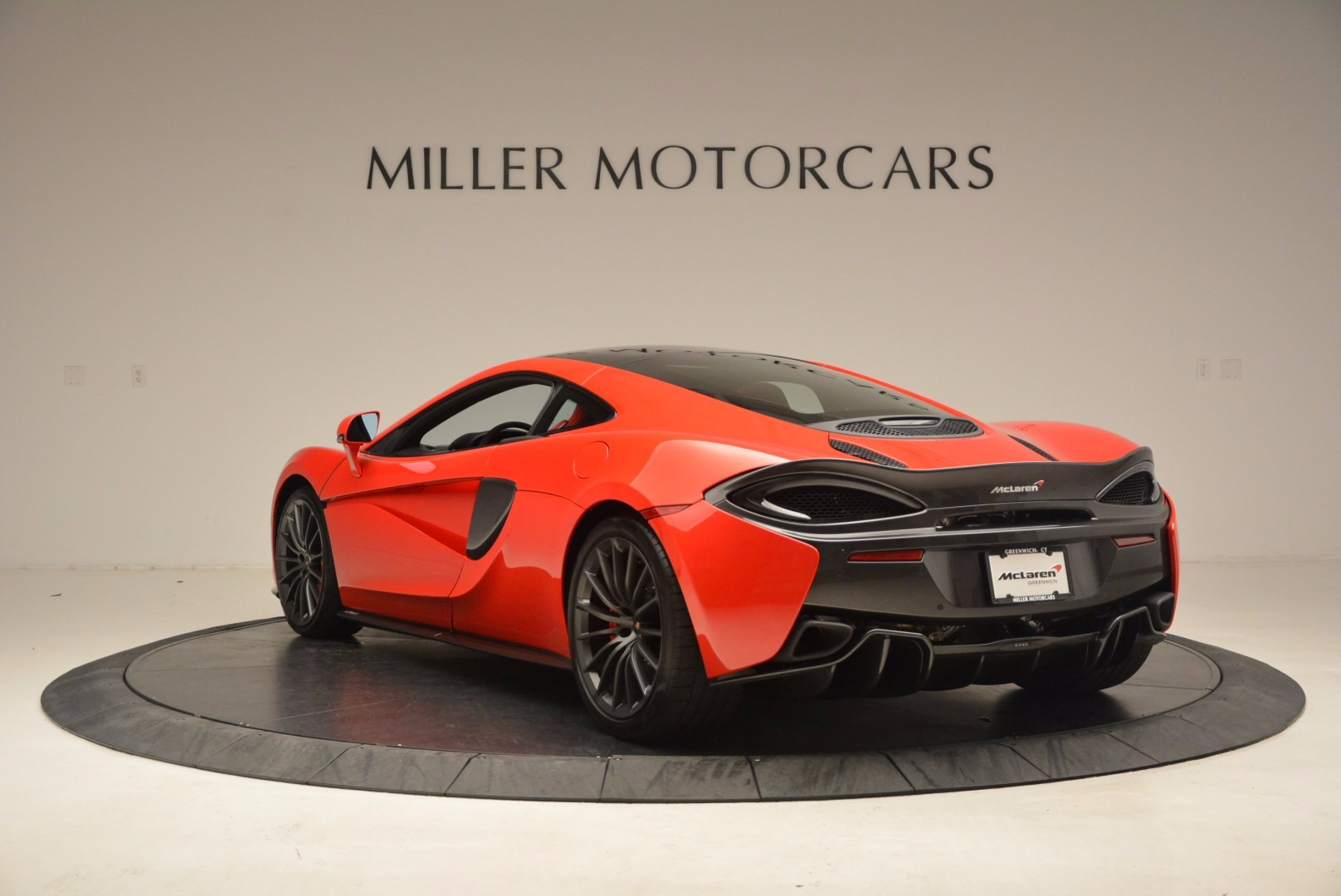 Used 2017 McLaren 570GT  For Sale In Greenwich, CT. Alfa Romeo of Greenwich, MC309A 1506_p5