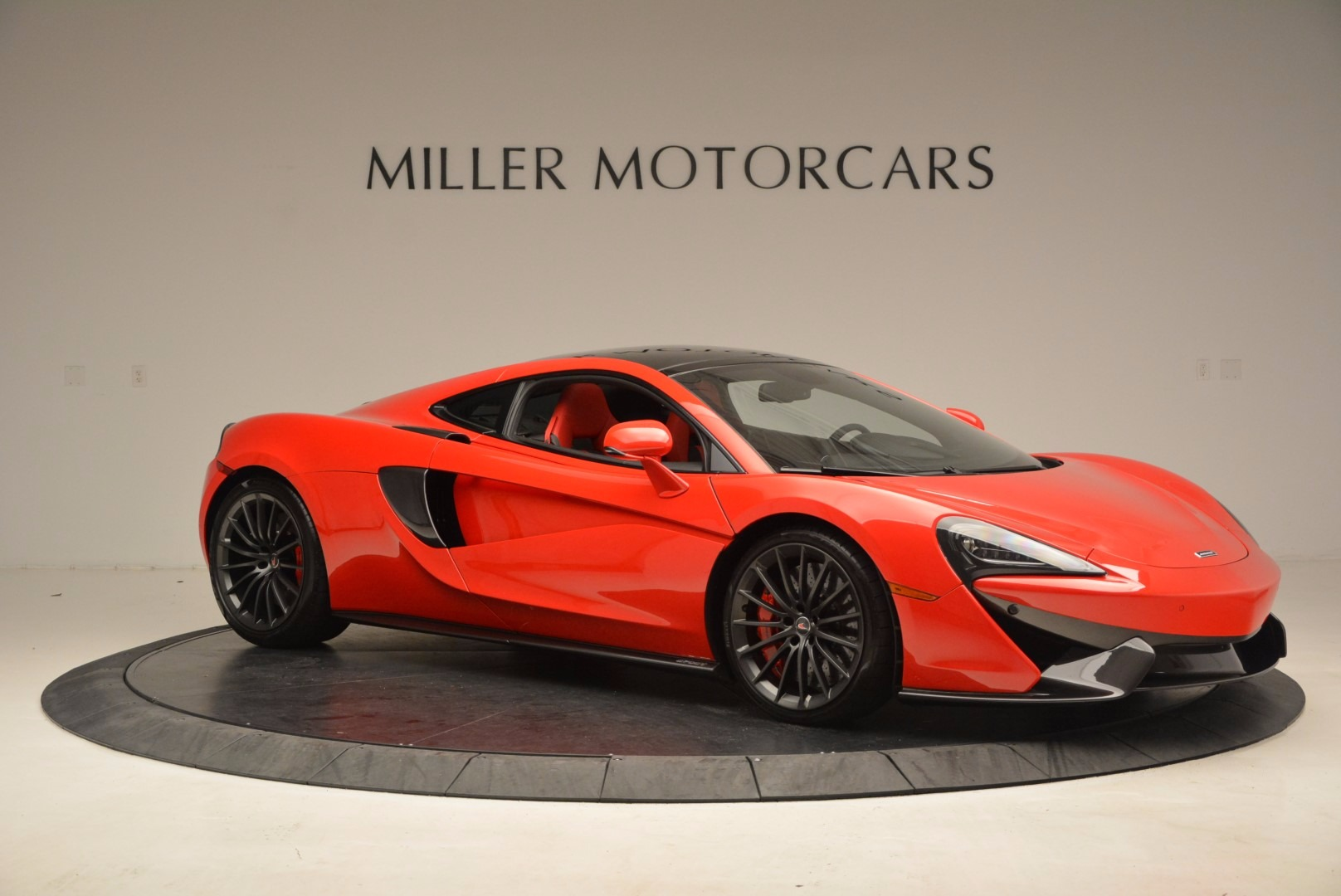 Used 2017 McLaren 570GT  For Sale In Greenwich, CT. Alfa Romeo of Greenwich, MC309A 1506_p9