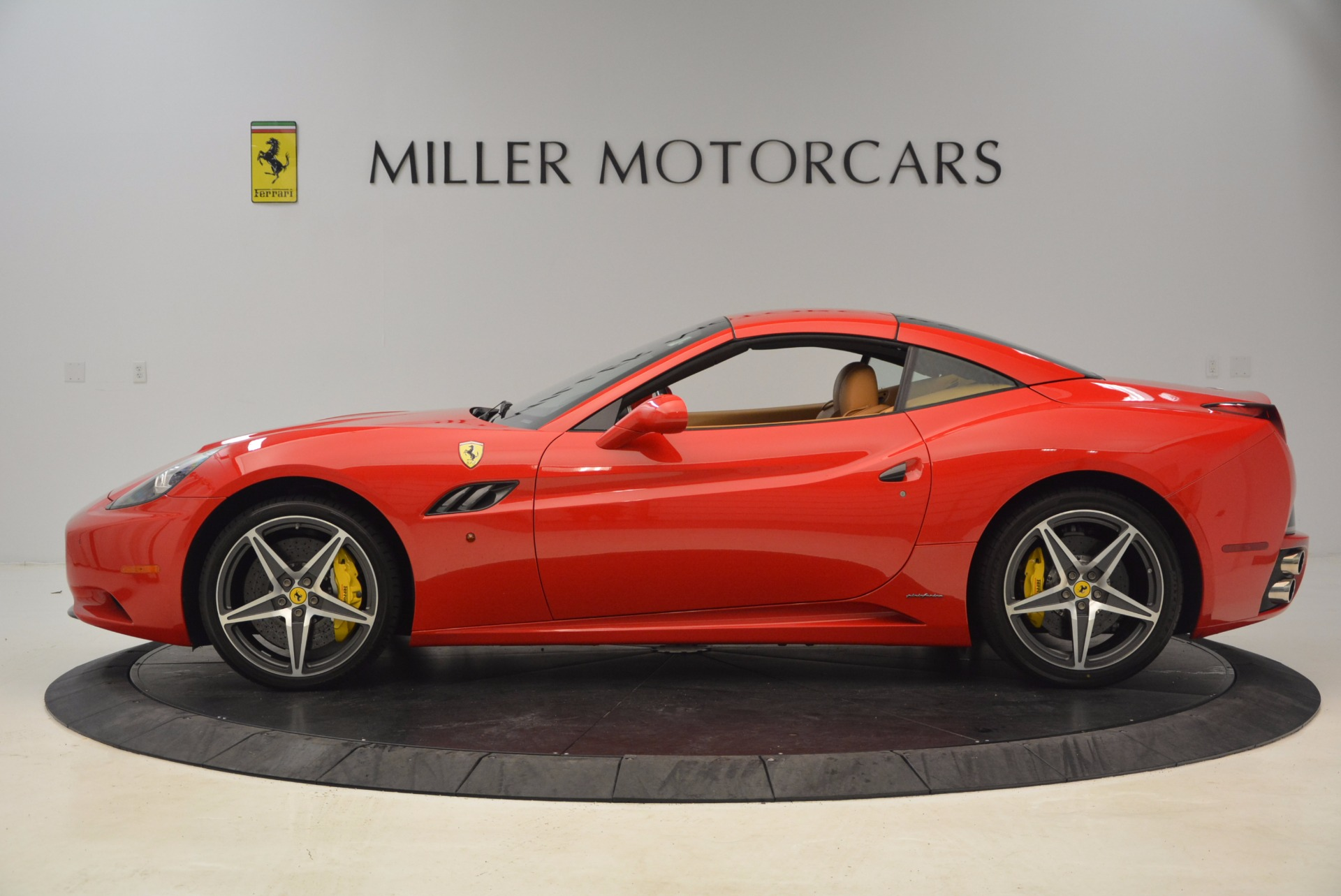 Used 2012 Ferrari California  For Sale In Greenwich, CT. Alfa Romeo of Greenwich, 4414 1508_p13
