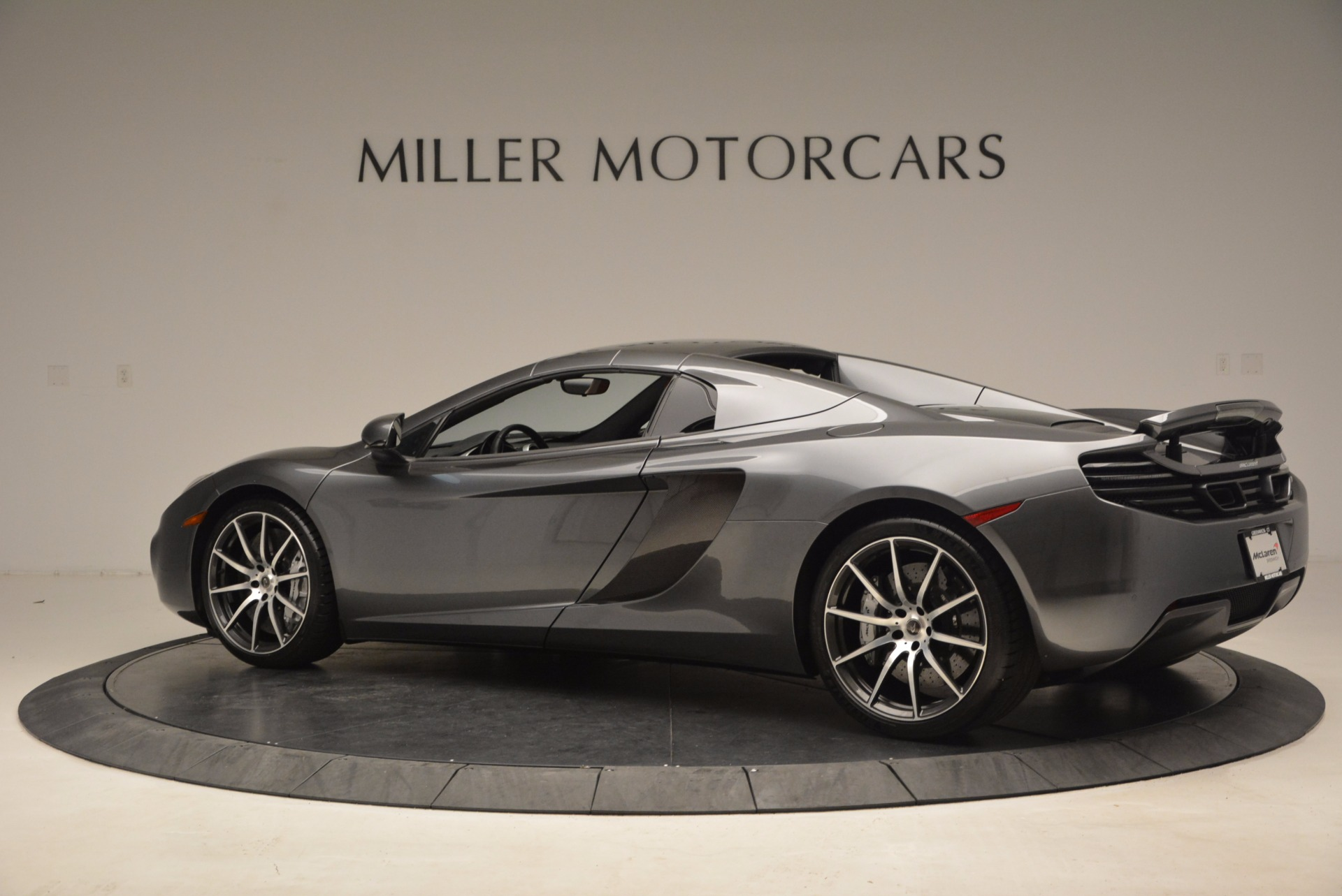 Used 2014 McLaren MP4-12C Convertible For Sale In Greenwich, CT. Alfa Romeo of Greenwich, 3175A 1510_p17