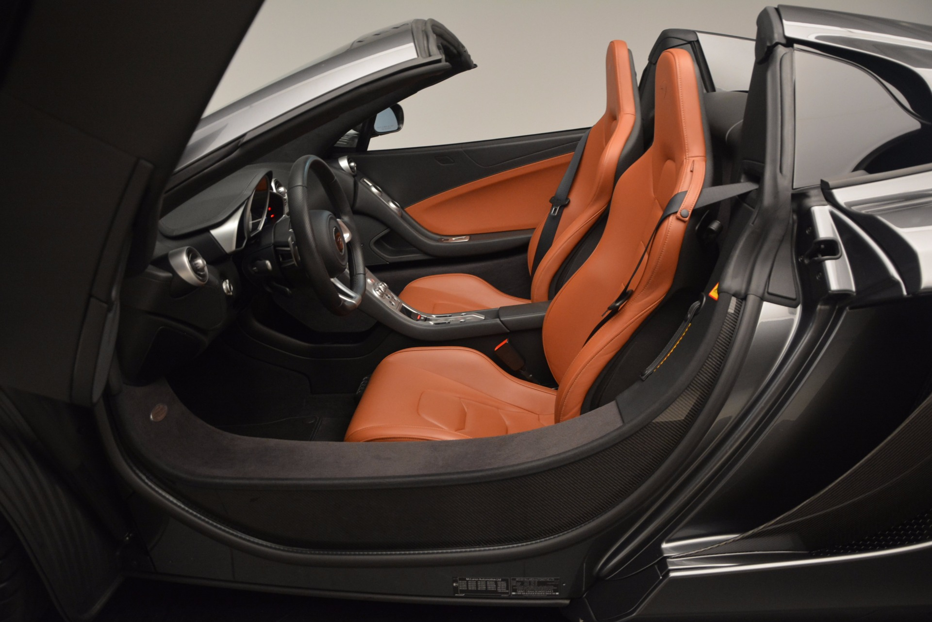 Used 2014 McLaren MP4-12C Convertible For Sale In Greenwich, CT. Alfa Romeo of Greenwich, 3175A 1510_p30