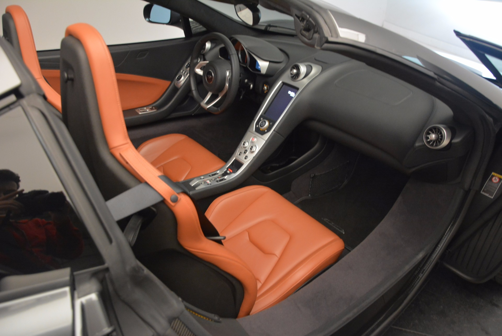 Used 2014 McLaren MP4-12C Convertible For Sale In Greenwich, CT. Alfa Romeo of Greenwich, 3175A 1510_p33
