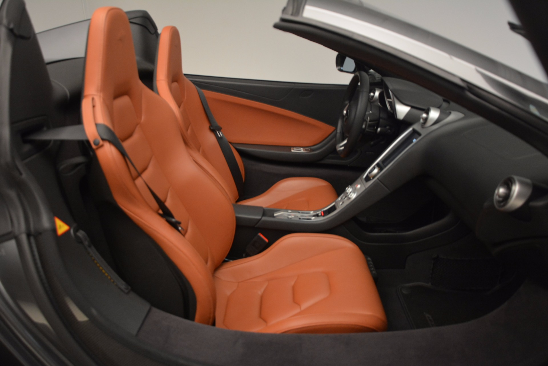 Used 2014 McLaren MP4-12C Convertible For Sale In Greenwich, CT. Alfa Romeo of Greenwich, 3175A 1510_p34