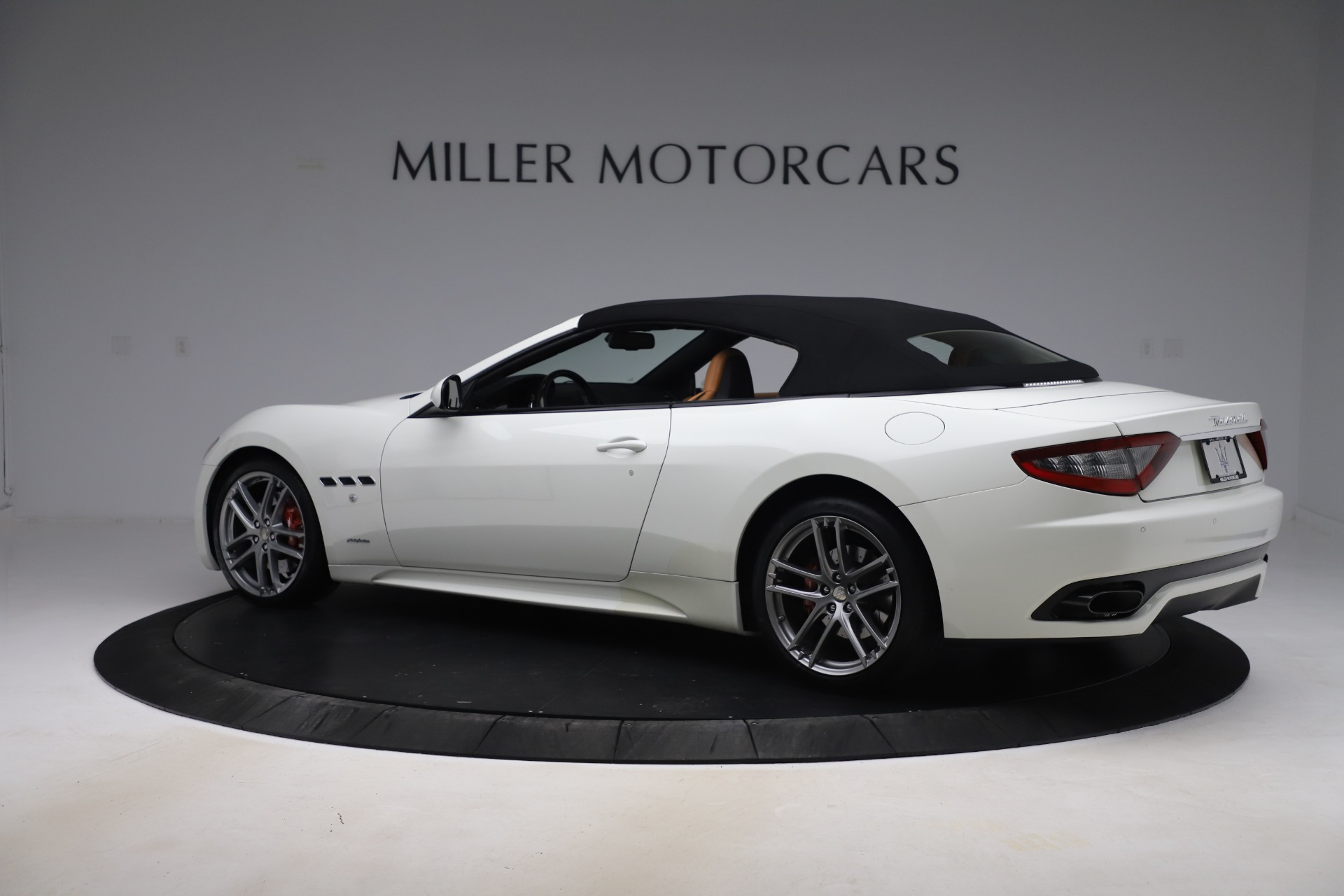 New 2017 Maserati GranTurismo Convertible Sport For Sale In Greenwich, CT. Alfa Romeo of Greenwich, M1640 153_p16