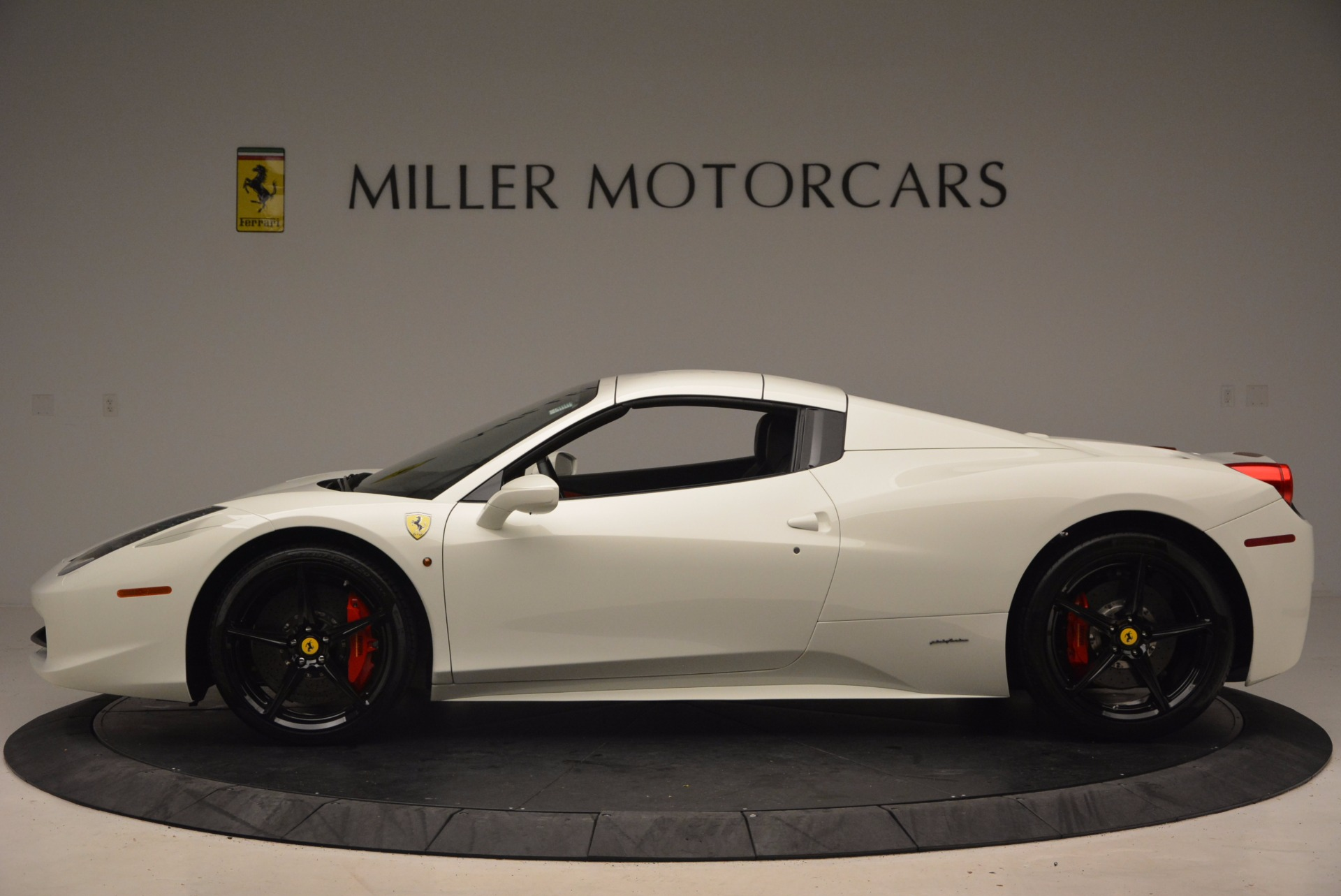 Used 2015 Ferrari 458 Spider  For Sale In Greenwich, CT. Alfa Romeo of Greenwich, 4417 1534_p15