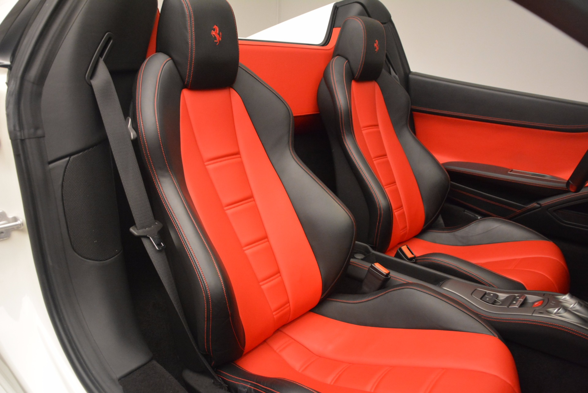 Used 2015 Ferrari 458 Spider  For Sale In Greenwich, CT. Alfa Romeo of Greenwich, 4417 1534_p31
